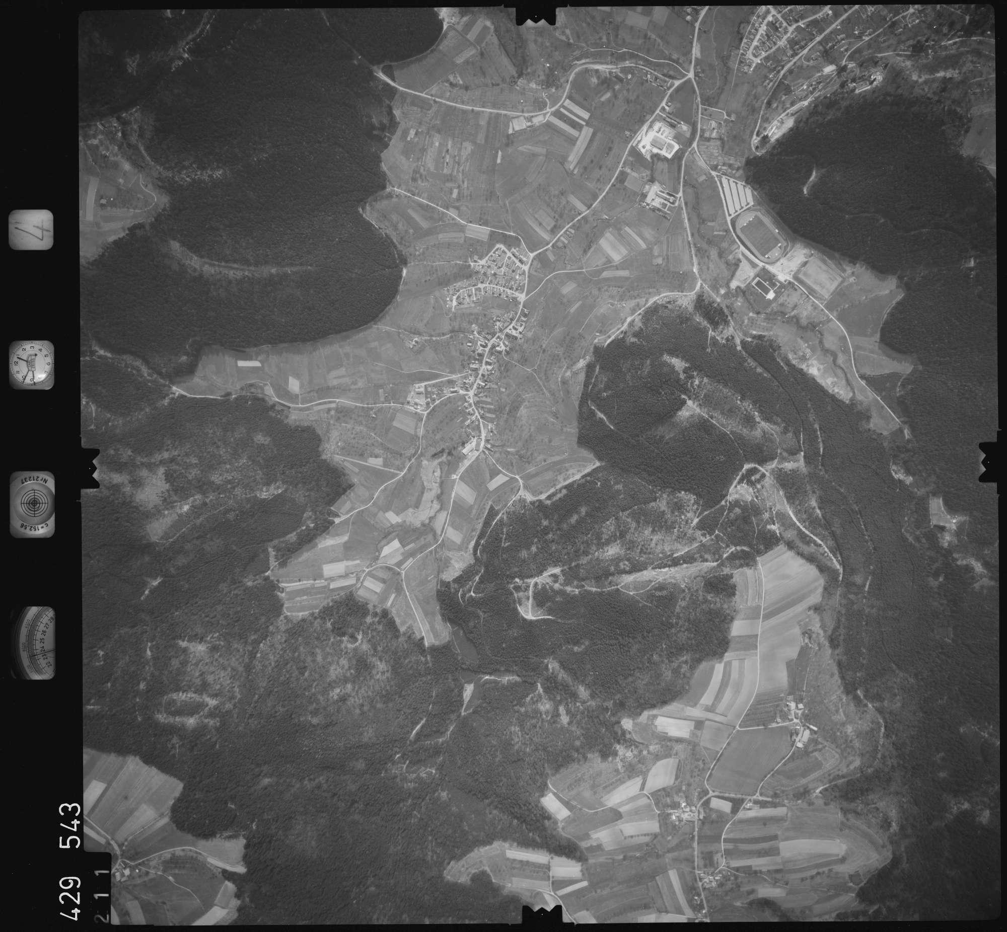 Luftbild: Film 4 Bildnr. 211, Bild 1