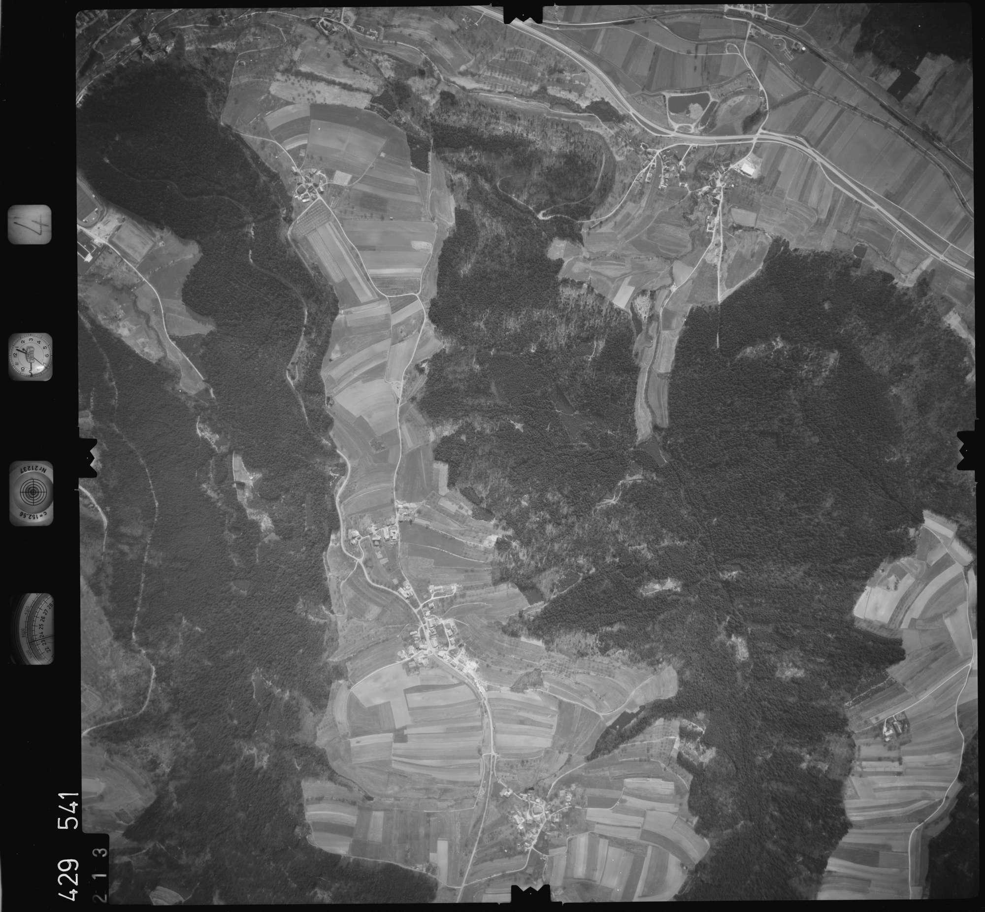 Luftbild: Film 4 Bildnr. 213, Bild 1