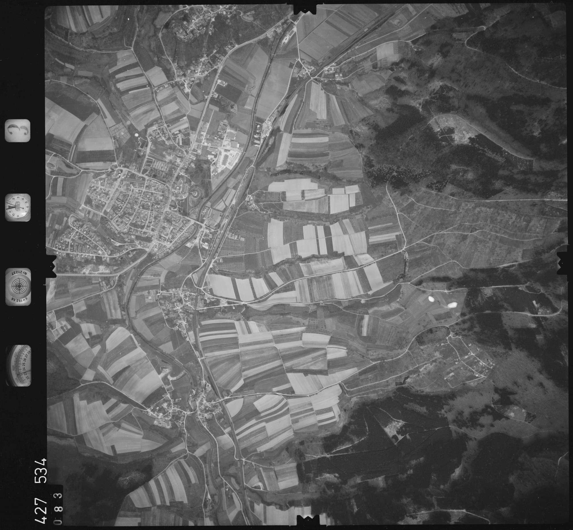 Luftbild: Film 3 Bildnr. 83, Bild 1