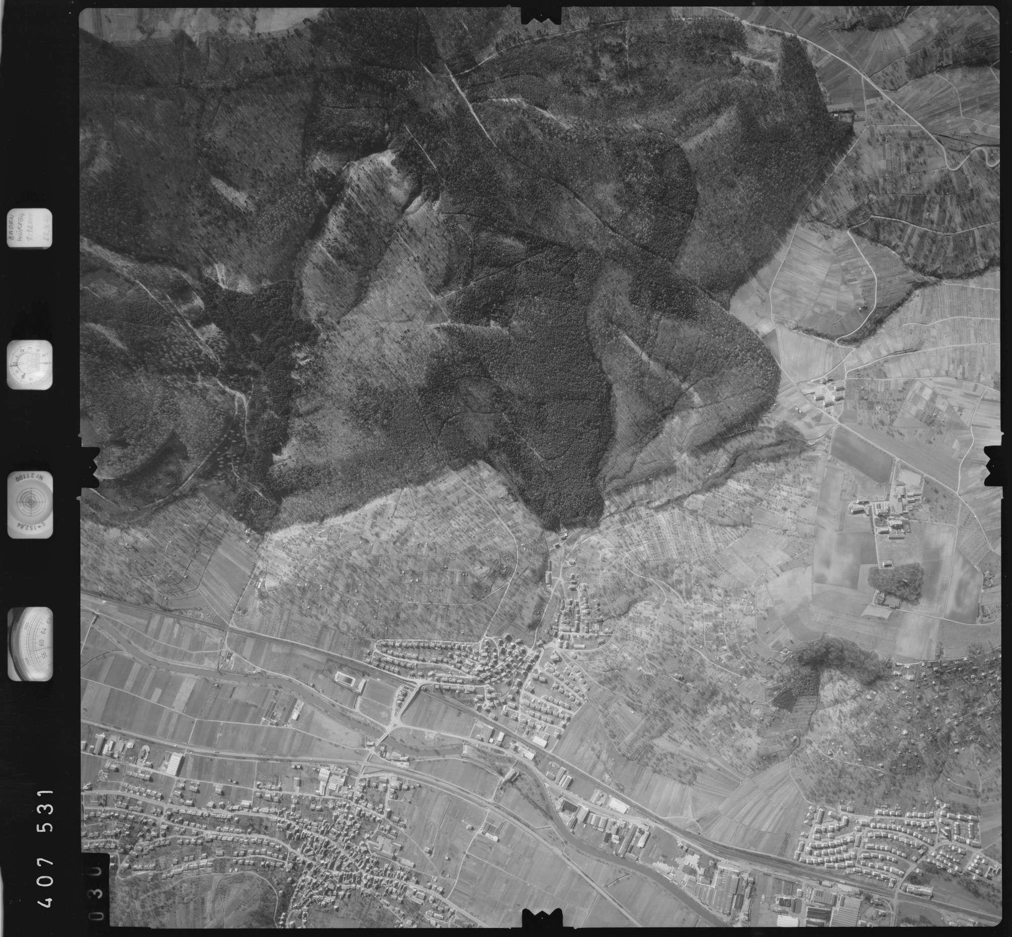 Luftbild: Film 5 Bildnr. 30, Bild 1