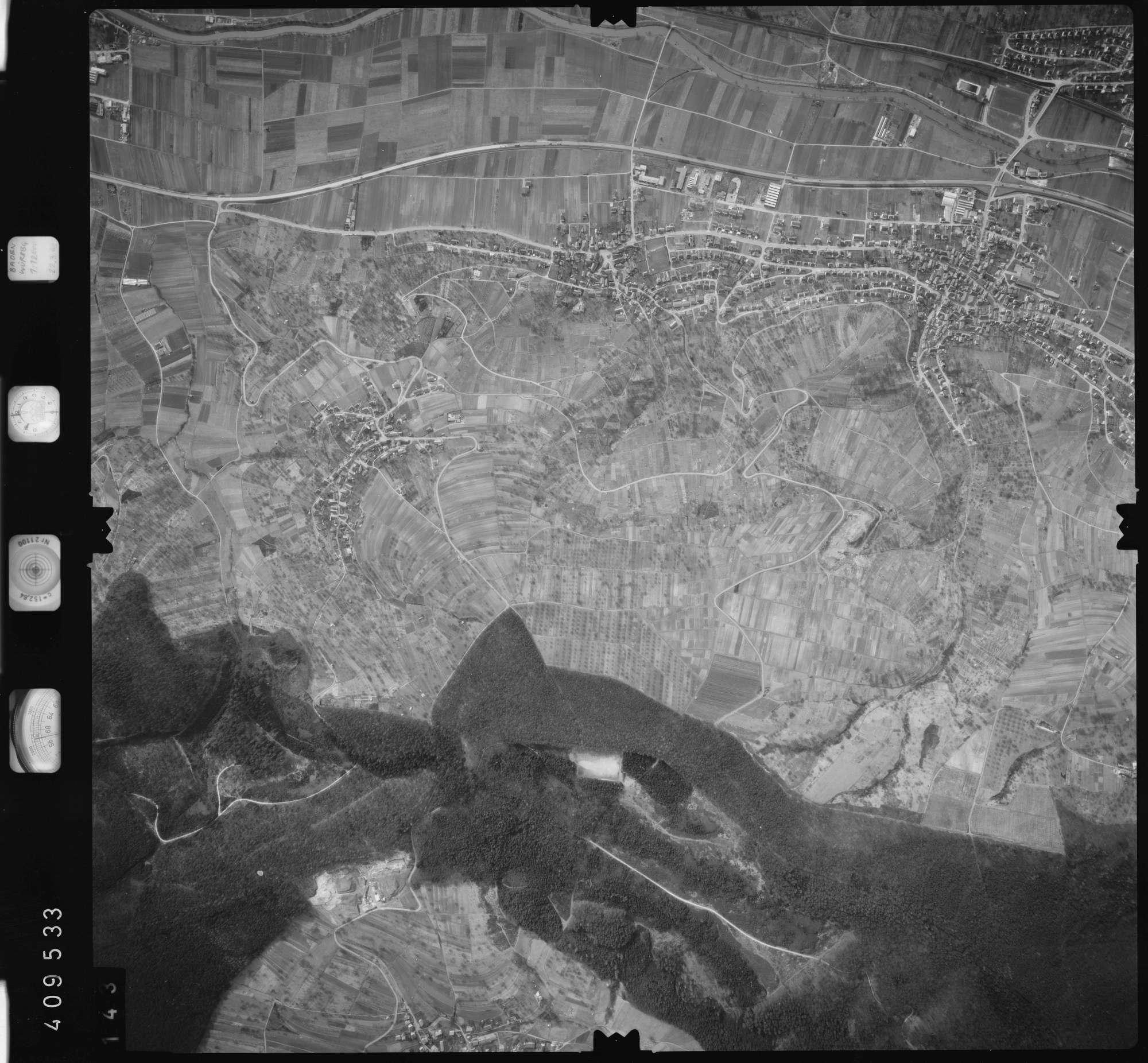 Luftbild: Film 5 Bildnr. 143, Bild 1