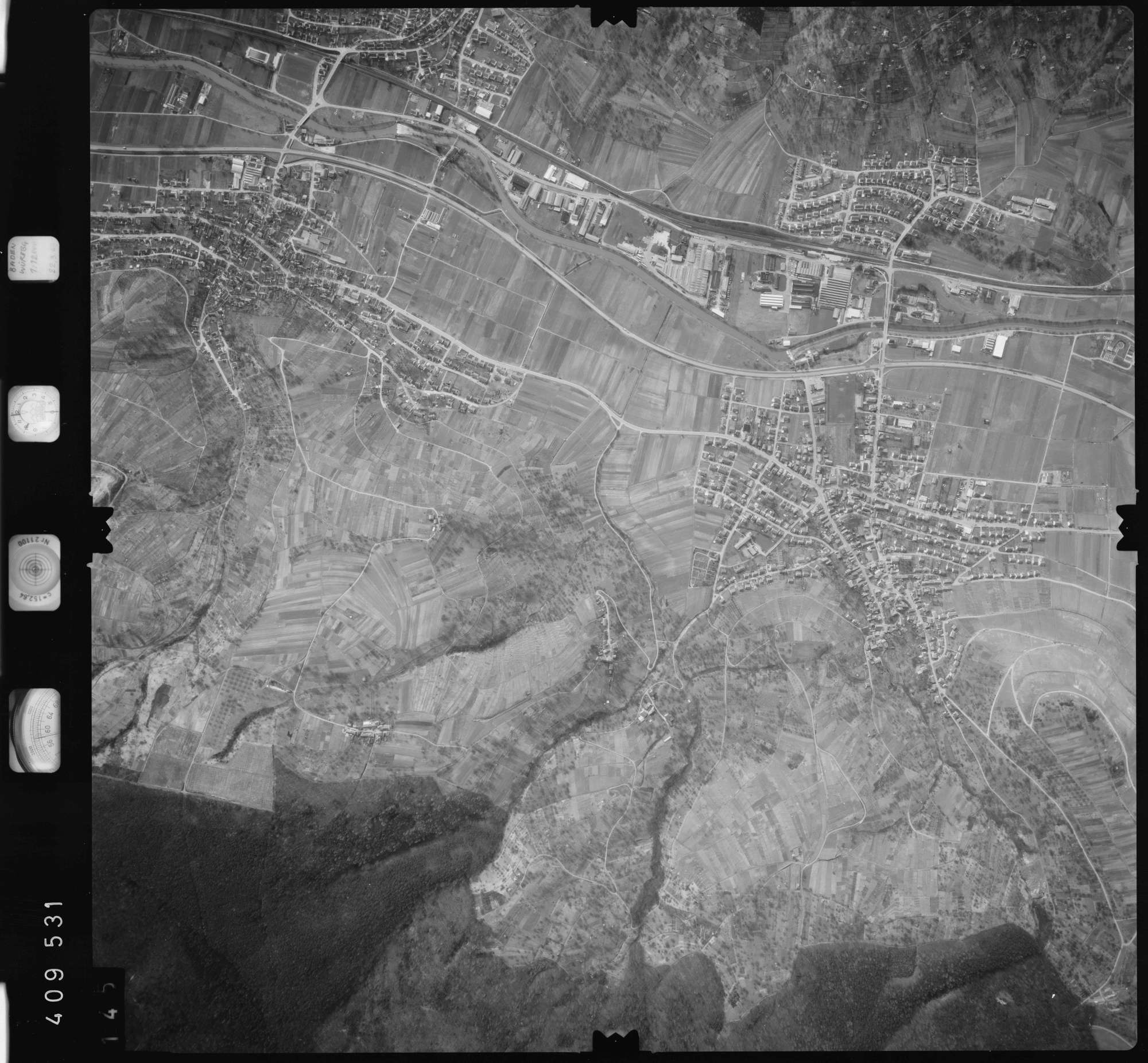 Luftbild: Film 5 Bildnr. 145, Bild 1