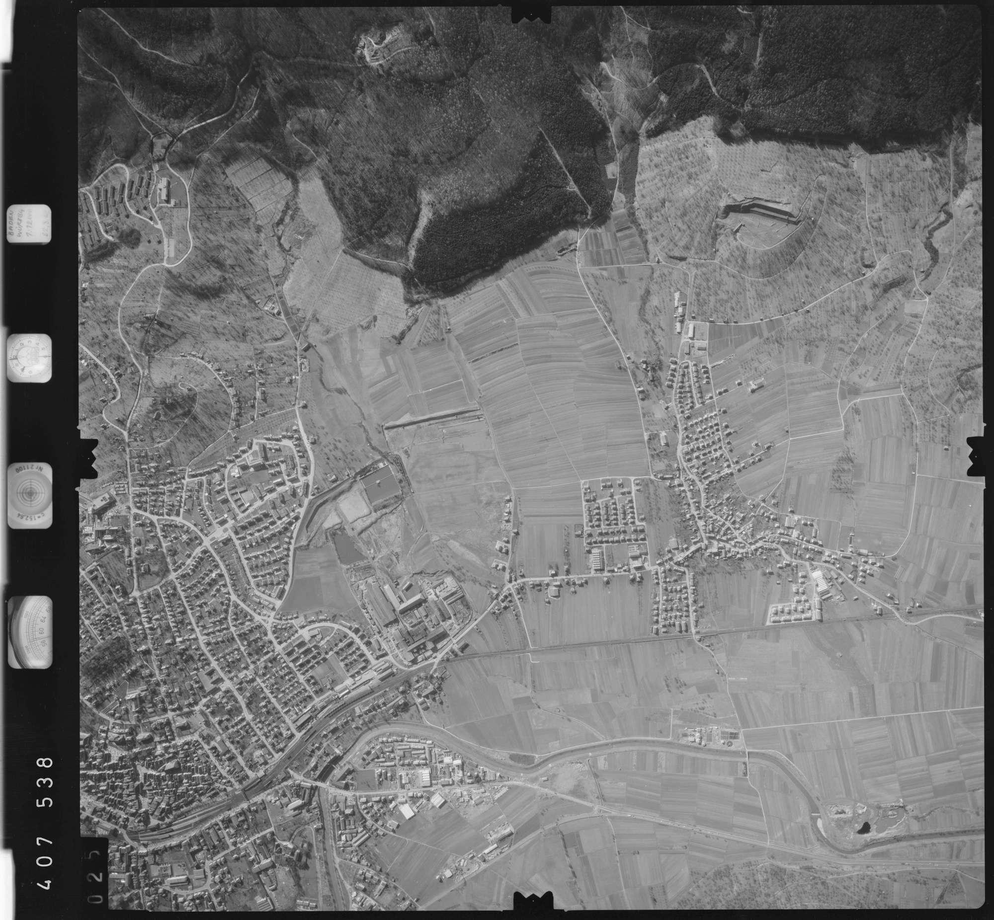 Luftbild: Film 5 Bildnr. 25, Bild 1