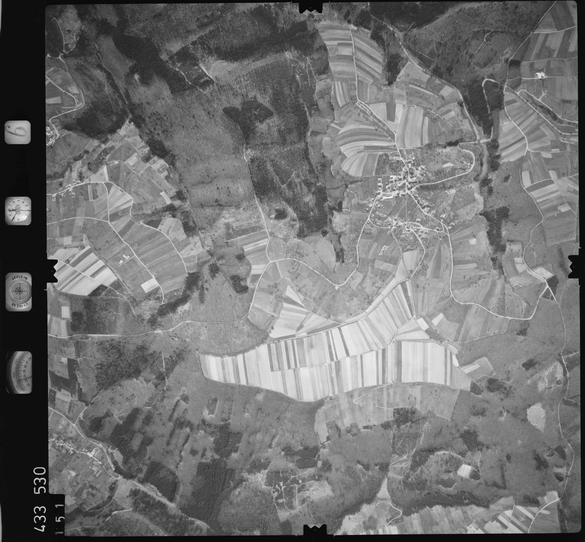 Luftbild: Film 6 Bildnr. 151, Bild 1