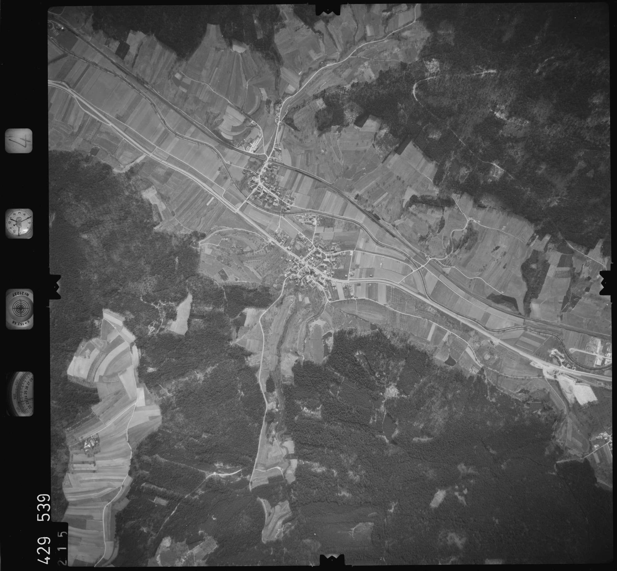 Luftbild: Film 4 Bildnr. 215, Bild 1