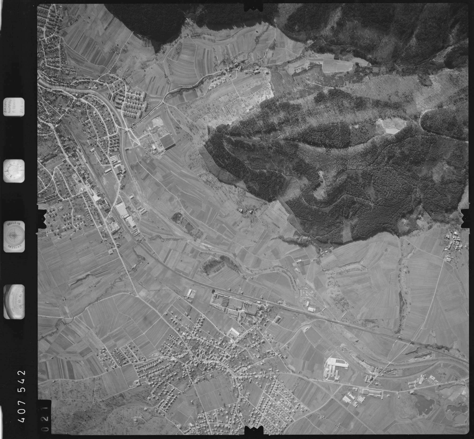 Luftbild: Film 5 Bildnr. 21, Bild 1
