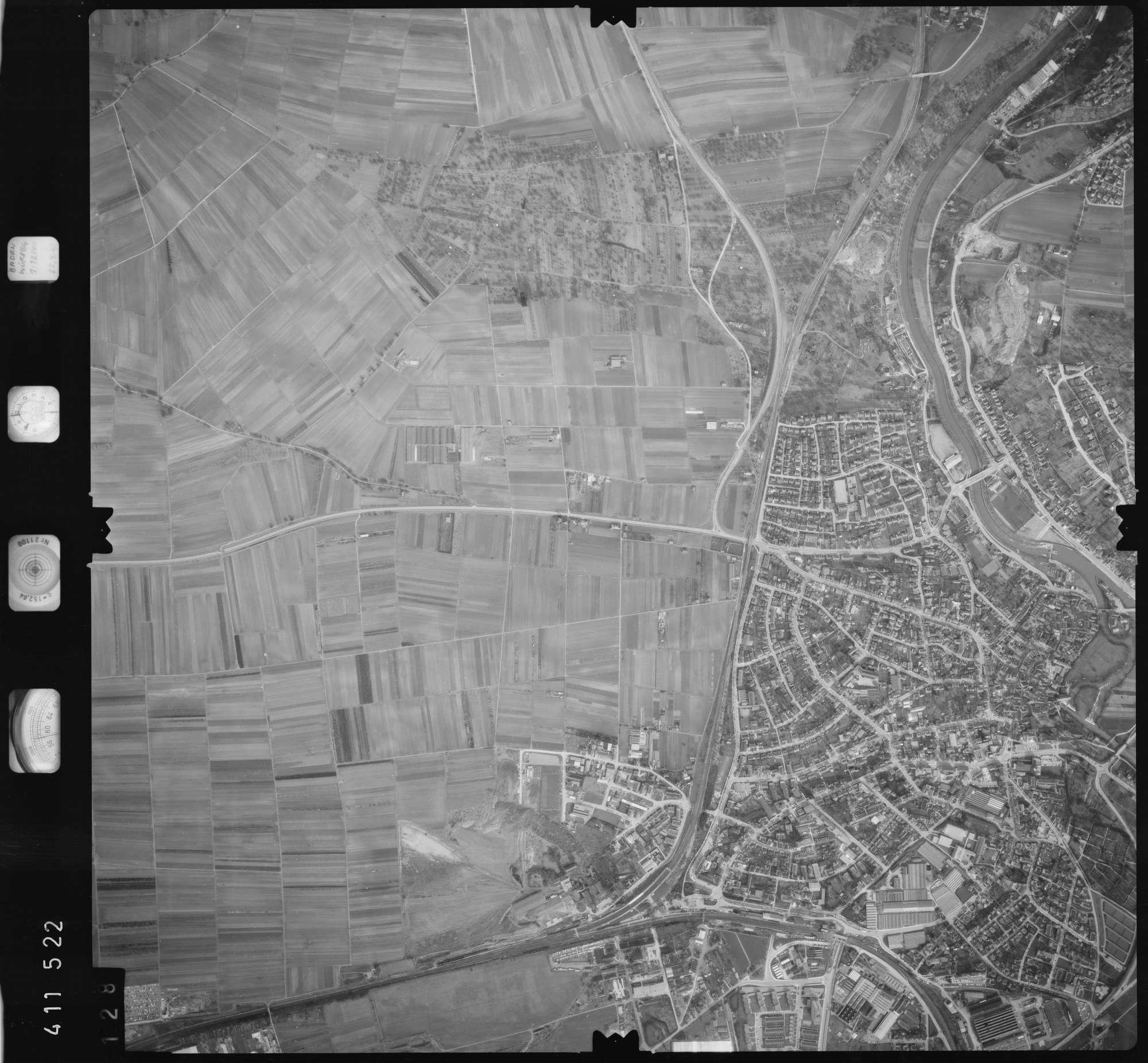 Luftbild: Film 5 Bildnr. 128, Bild 1
