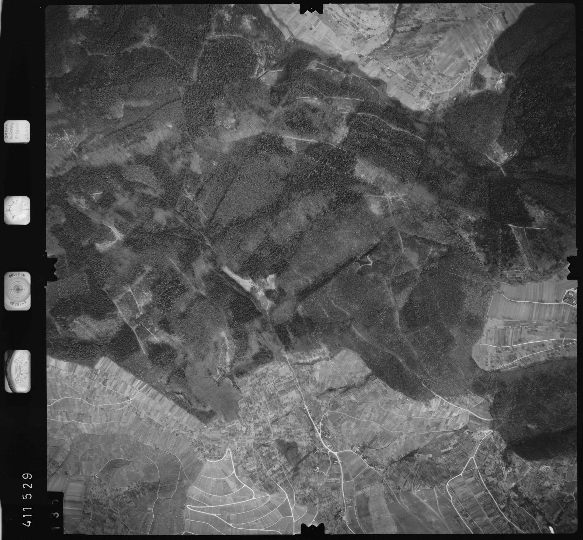 Luftbild: Film 5 Bildnr. 135, Bild 1