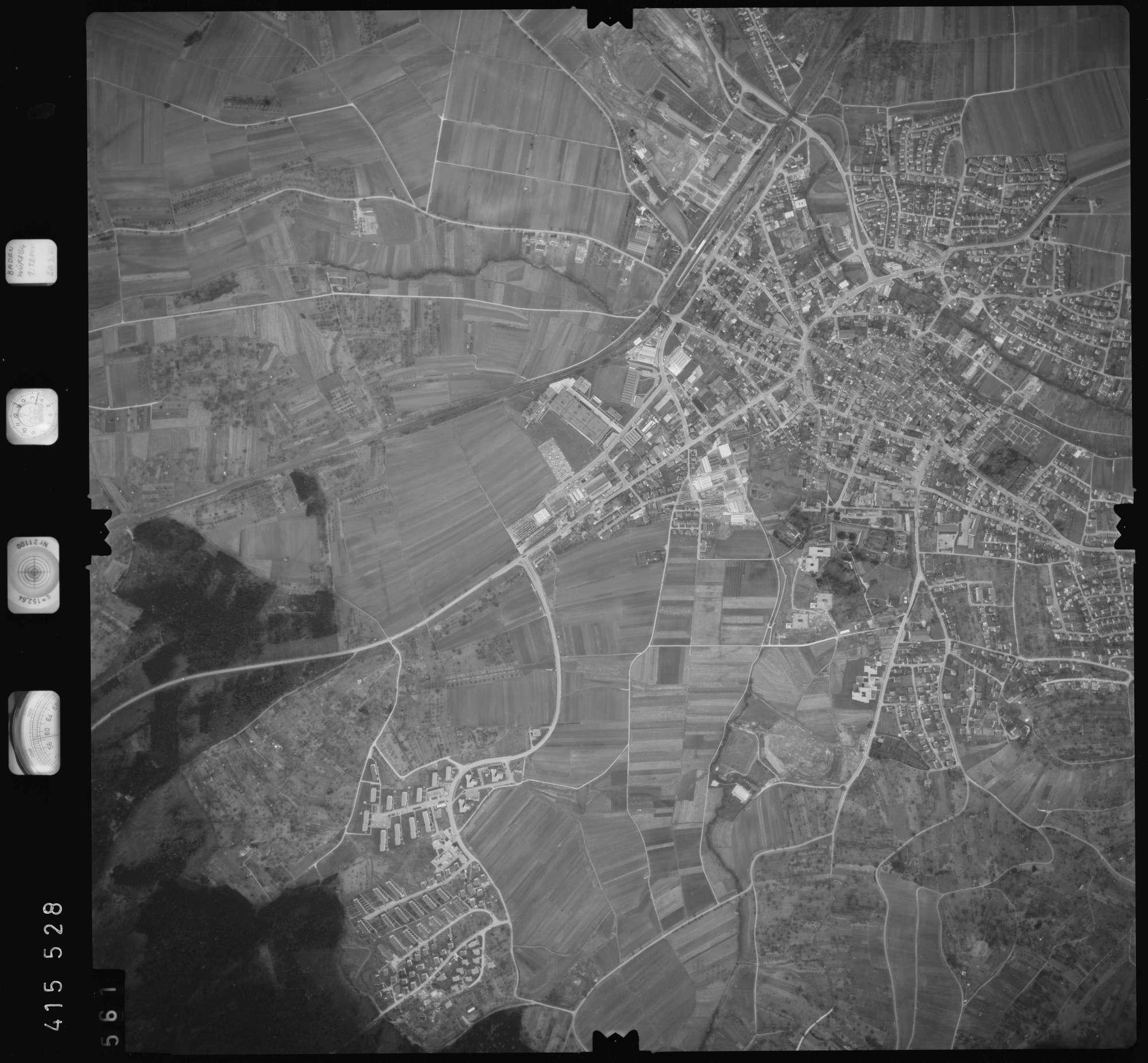 Luftbild: Film 2 Bildnr. 561, Bild 1