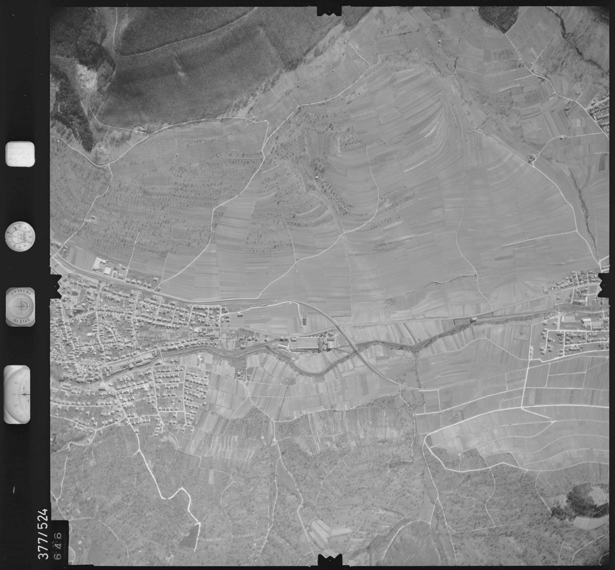 Luftbild: Film 31 Bildnr. 646, Bild 1