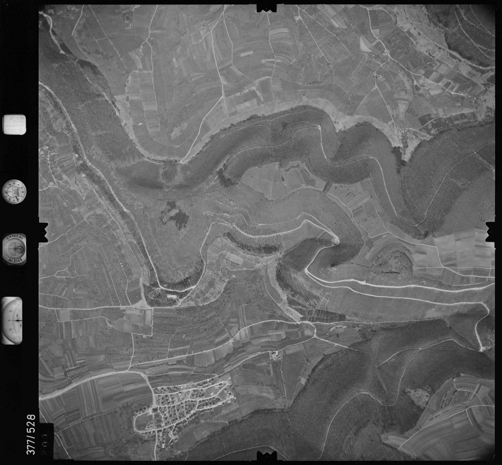 Luftbild: Film 32 Bildnr. 201, Bild 1