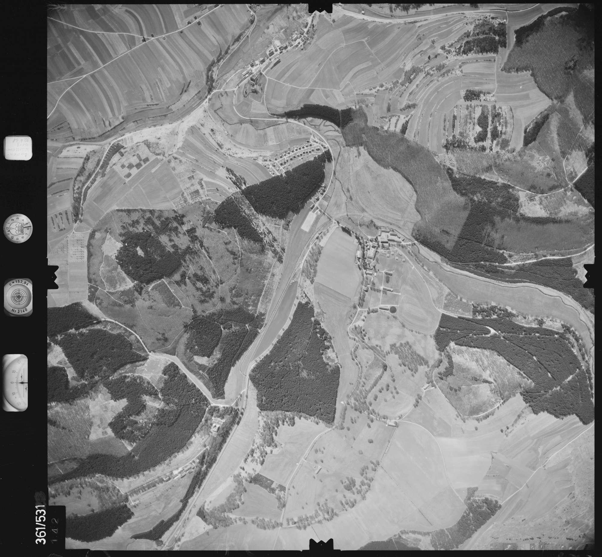 Luftbild: Film 40 Bildnr. 142, Bild 1