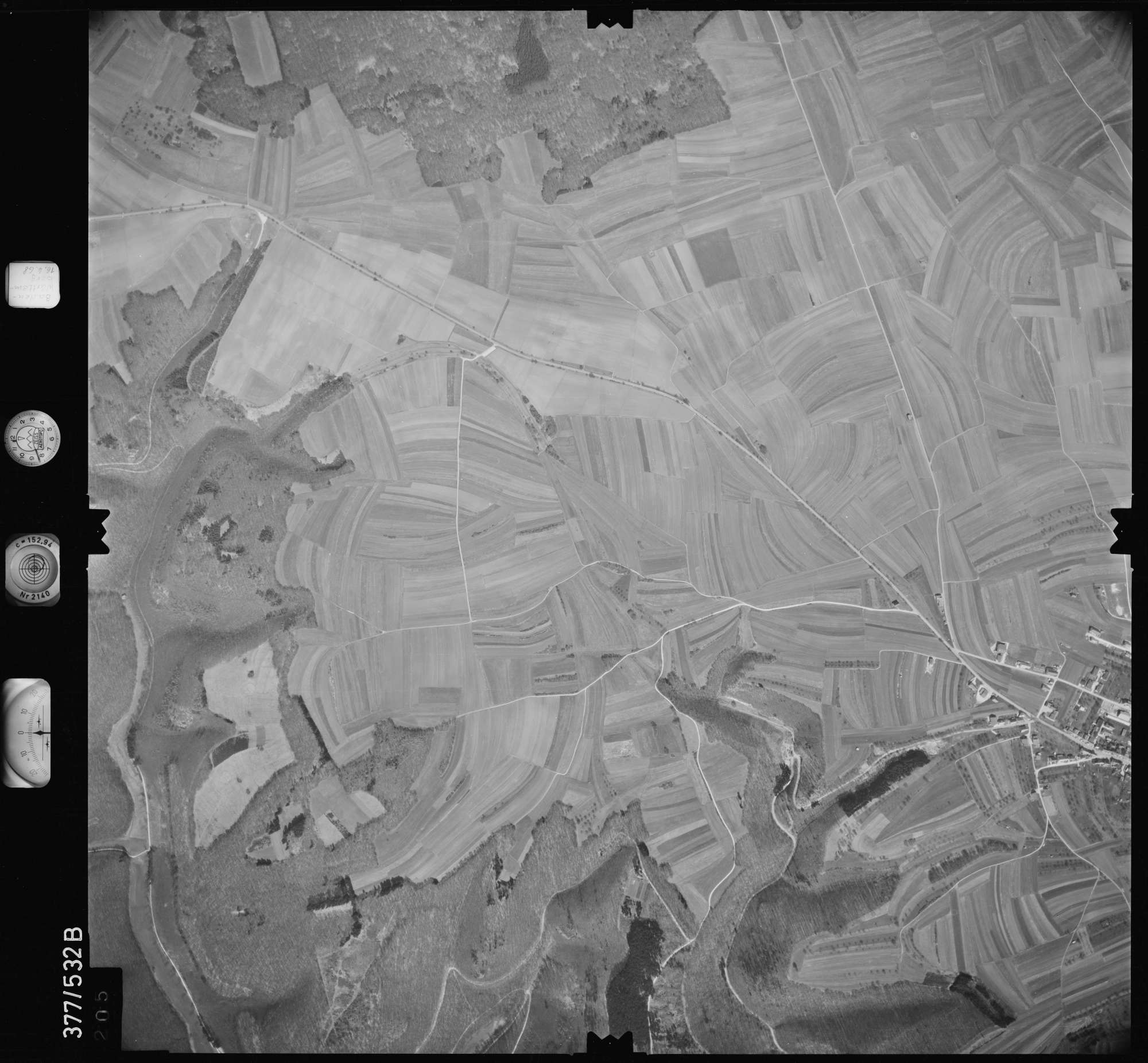 Luftbild: Film 32 Bildnr. 205, Bild 1
