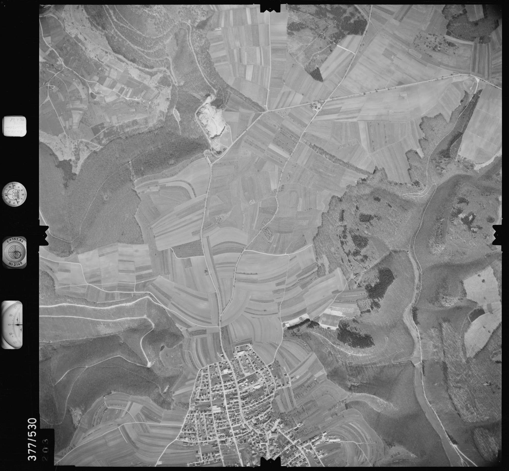 Luftbild: Film 32 Bildnr. 203, Bild 1