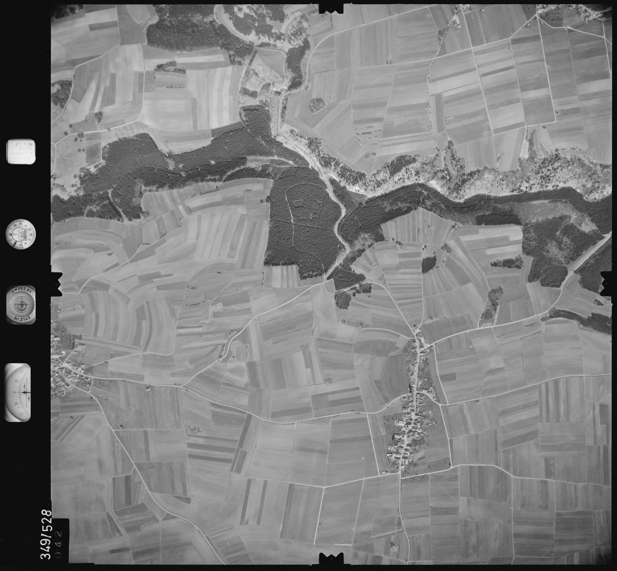 Luftbild: Film 45 Bildnr. 42, Bild 1