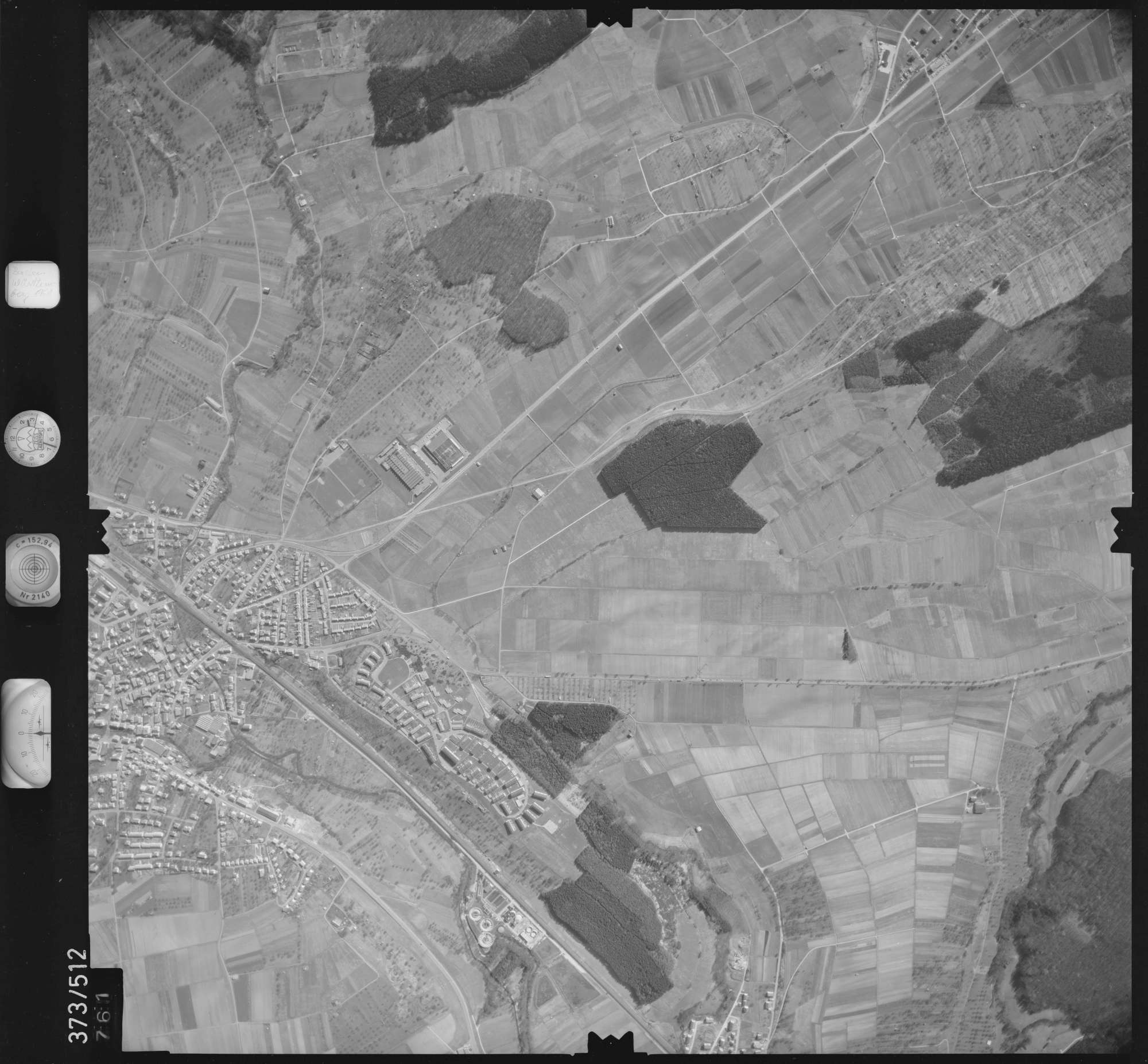 Luftbild: Film 33 Bildnr. 761, Bild 1