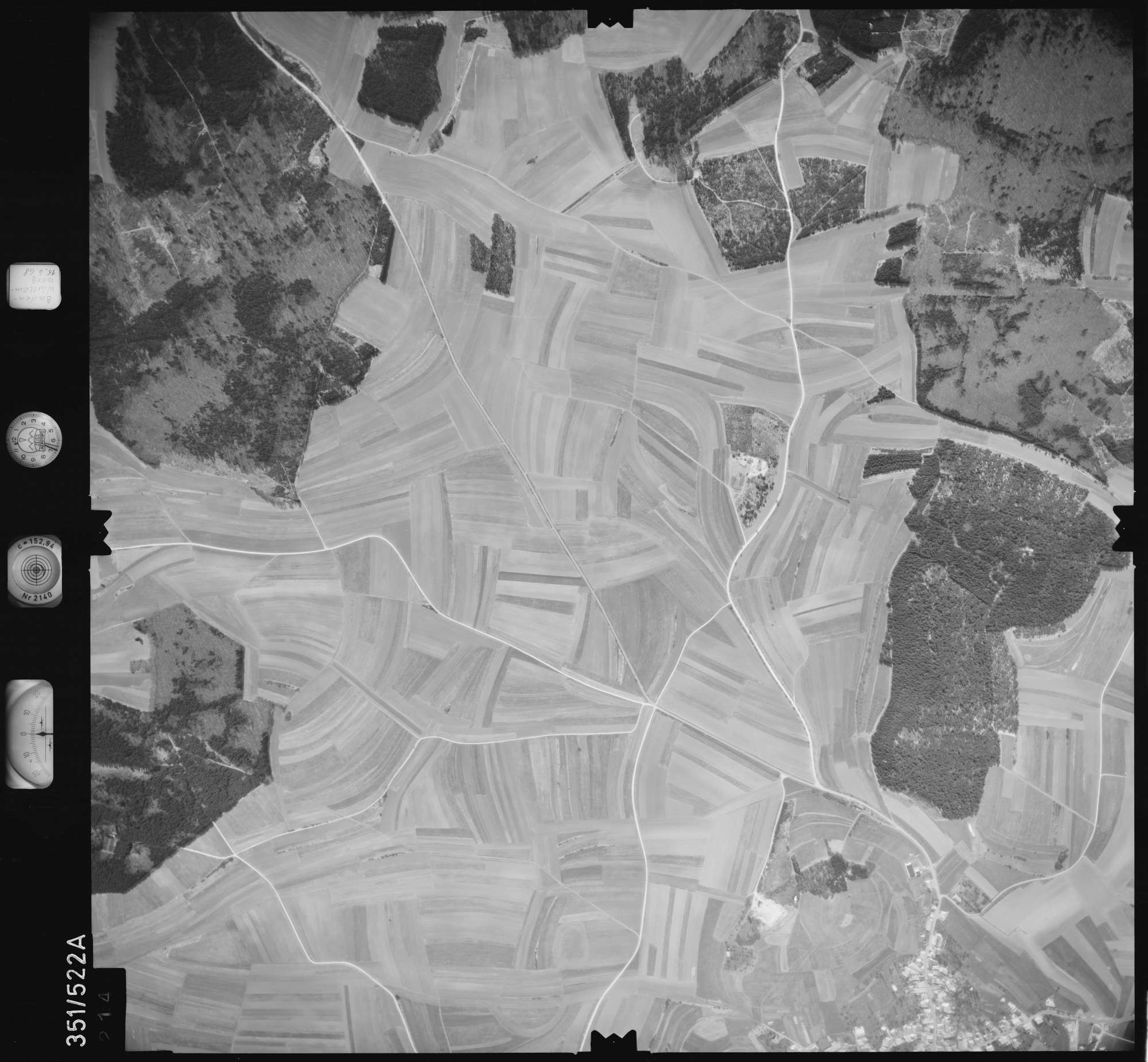 Luftbild: Film 105 Bildnr. 214, Bild 1
