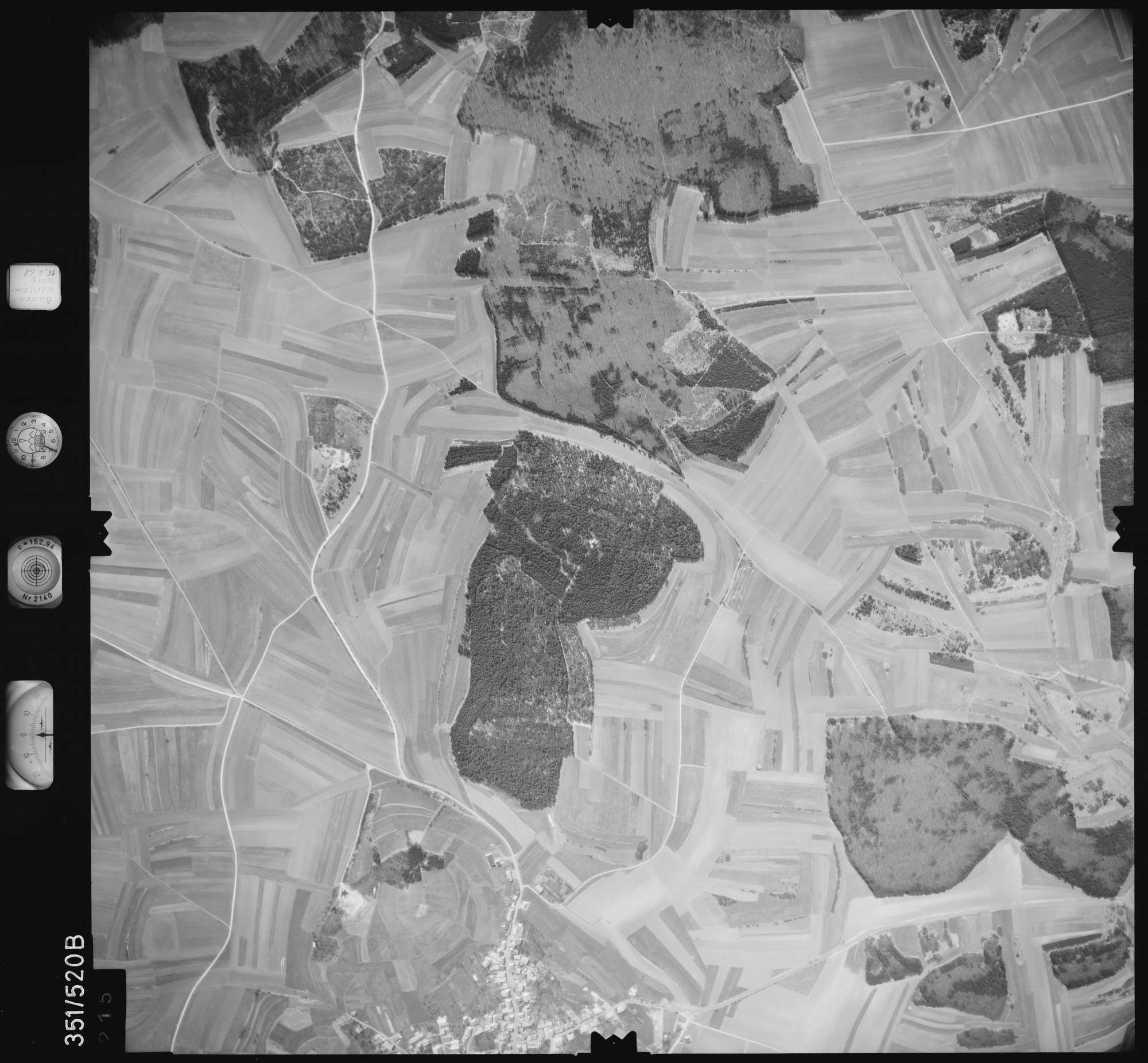 Luftbild: Film 105 Bildnr. 215, Bild 1