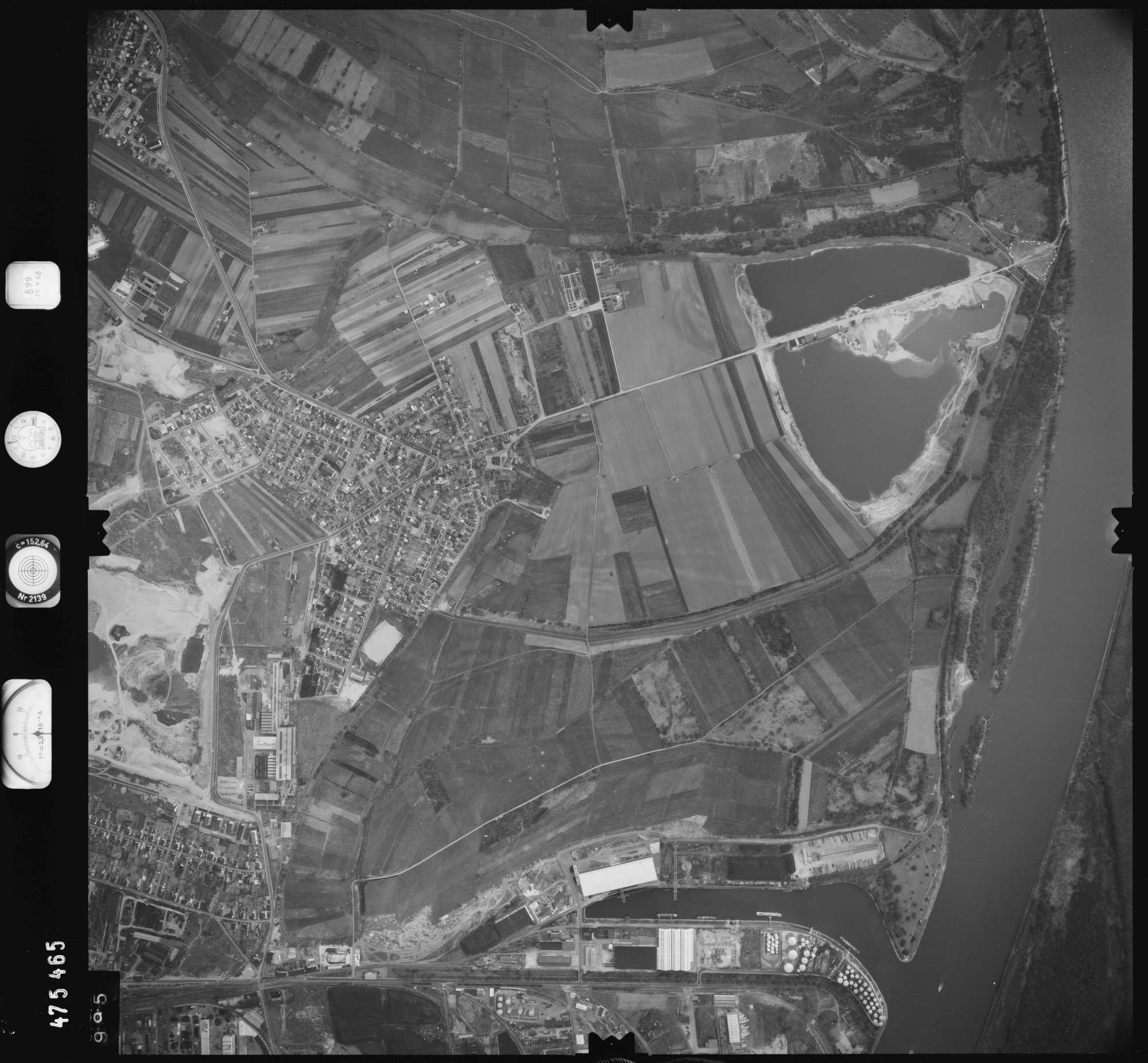 Luftbild: Film 899 Bildnr. 995, Bild 1