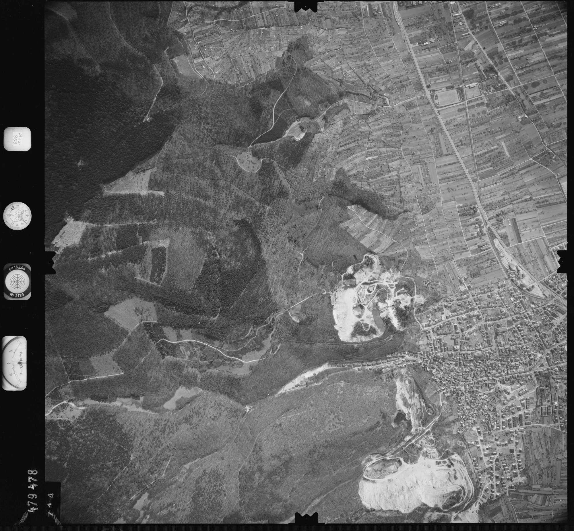 Luftbild: Film 898 Bildnr. 714, Bild 1
