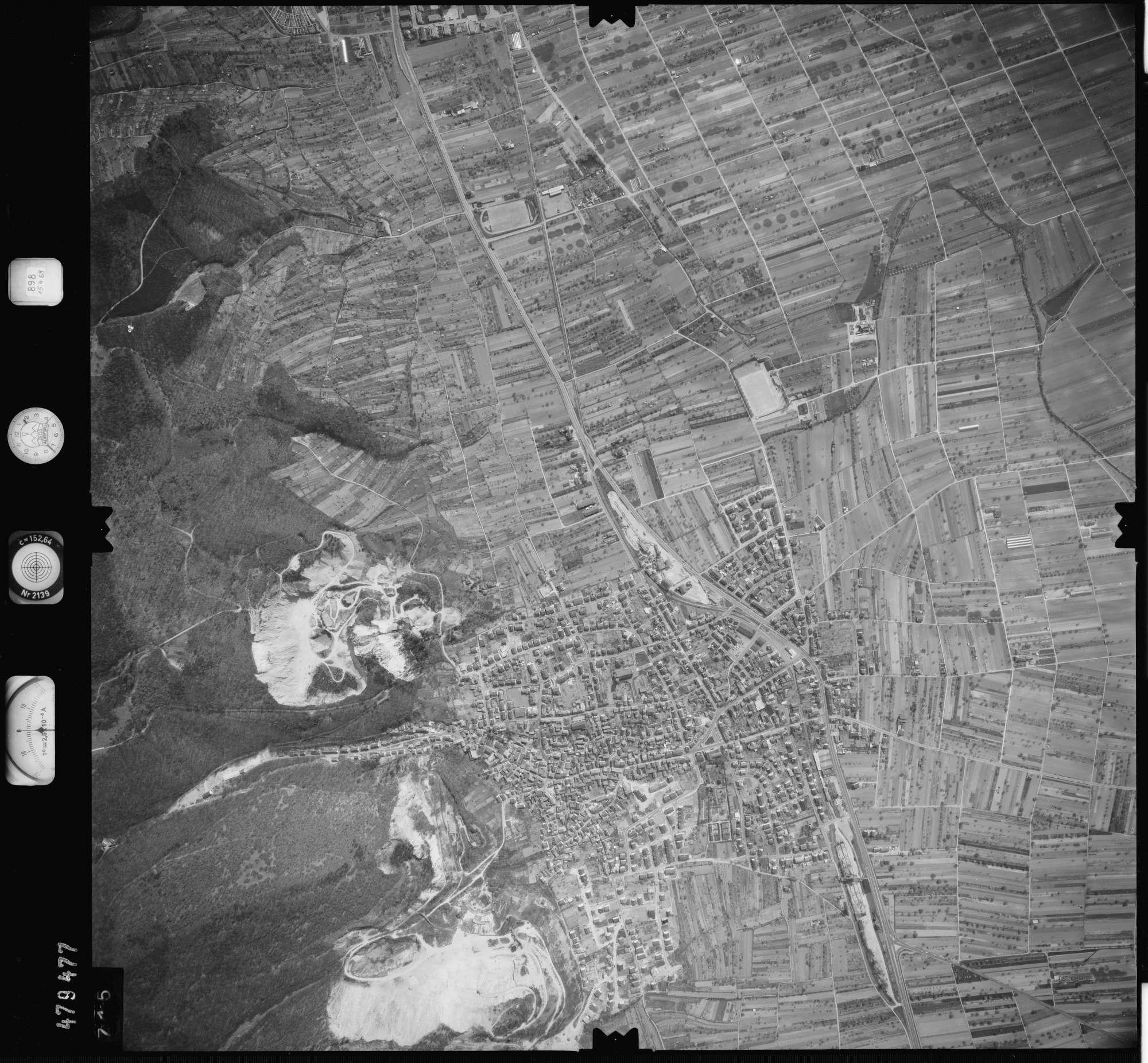 Luftbild: Film 898 Bildnr. 715, Bild 1