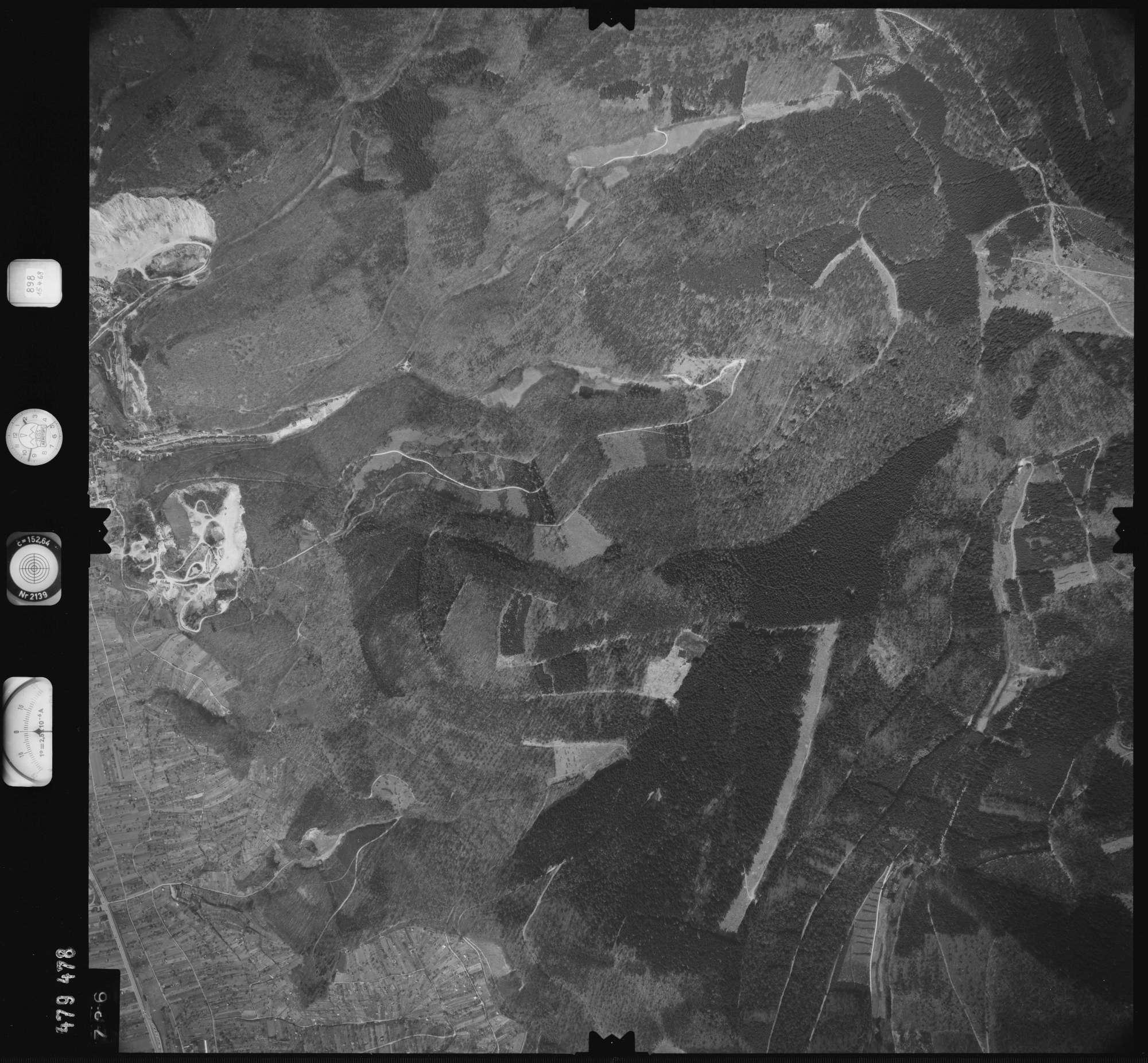 Luftbild: Film 898 Bildnr. 736, Bild 1