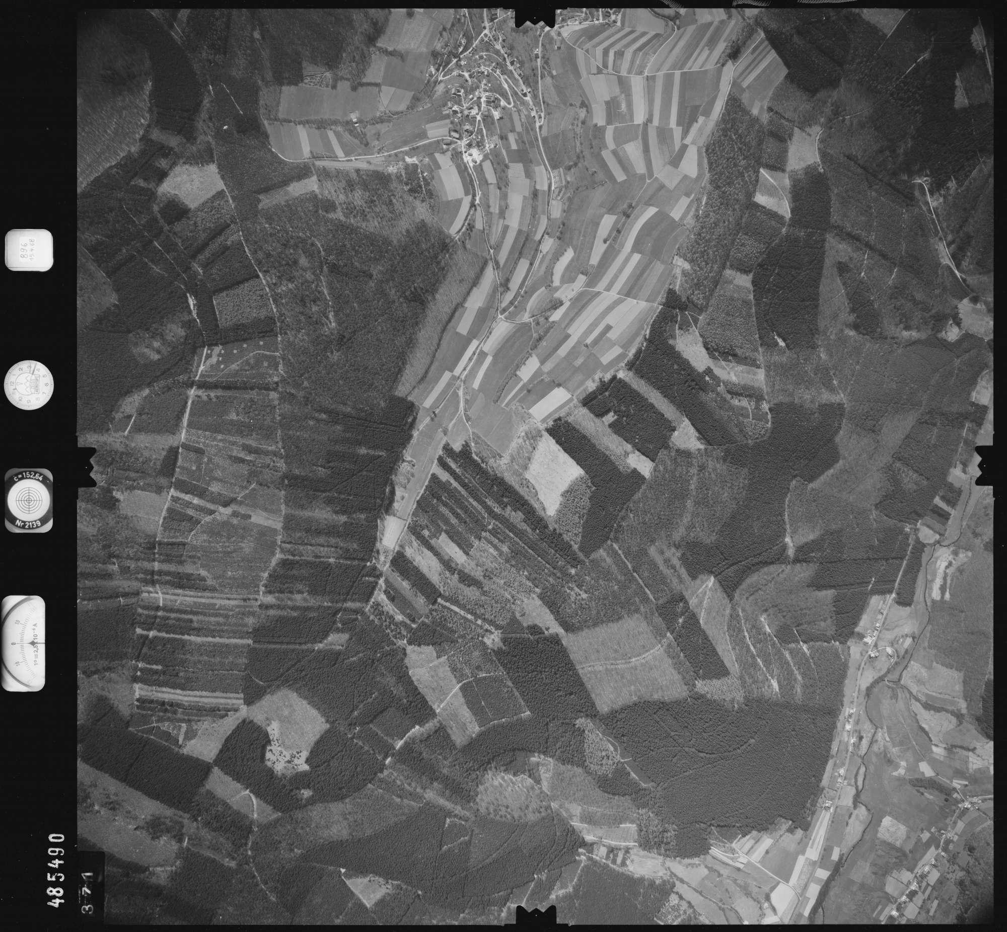 Luftbild: Film 896 Bildnr. 371, Bild 1