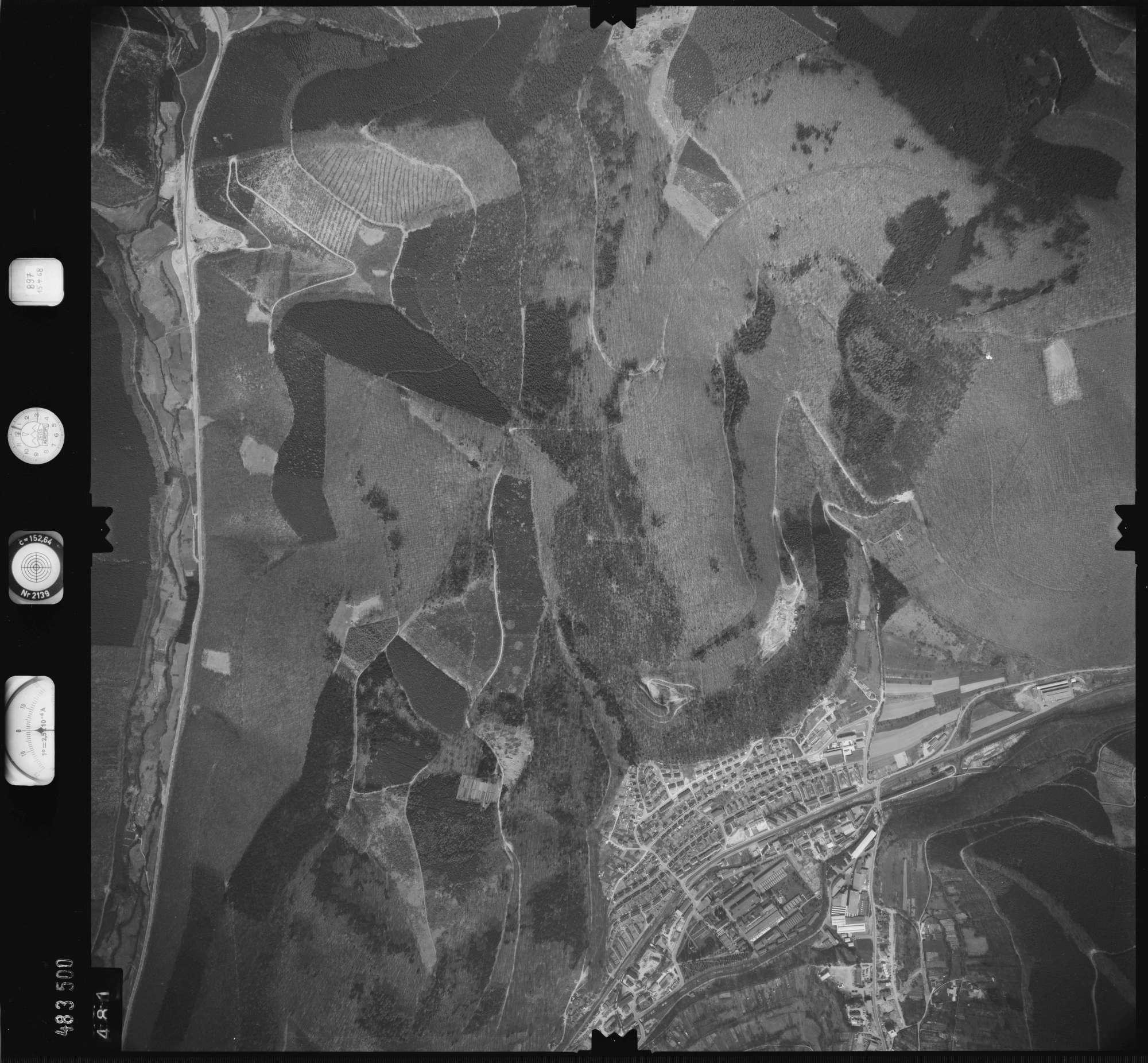 Luftbild: Film 897 Bildnr. 481, Bild 1