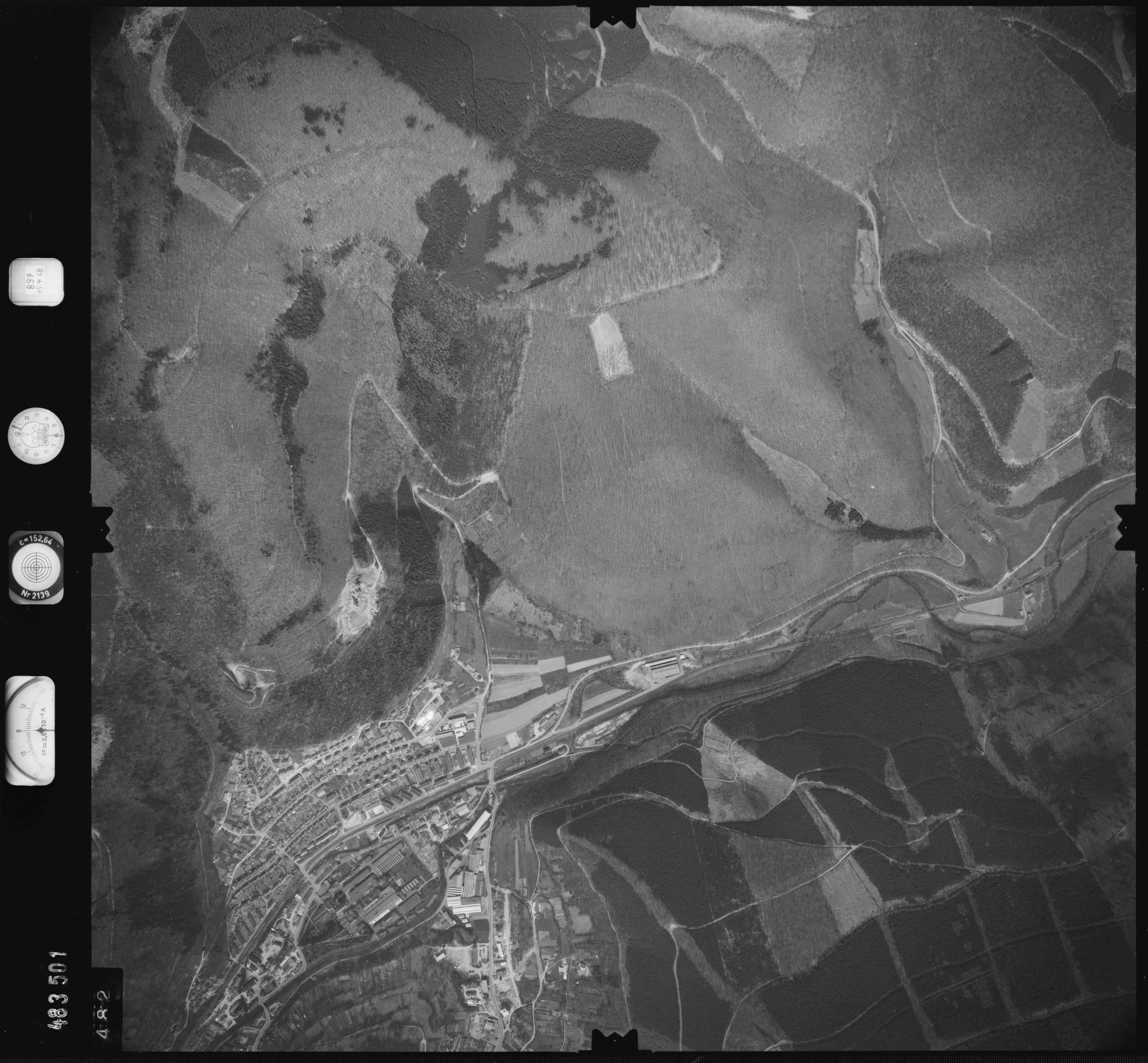 Luftbild: Film 897 Bildnr. 482, Bild 1