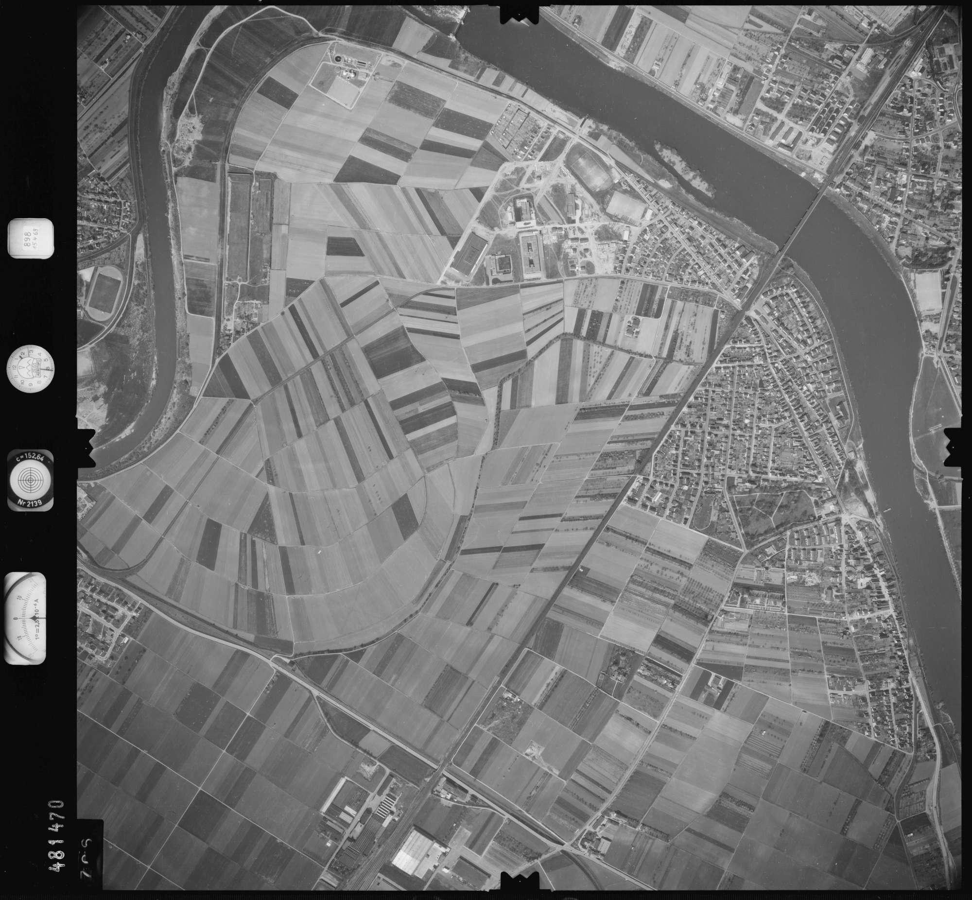 Luftbild: Film 898 Bildnr. 706, Bild 1