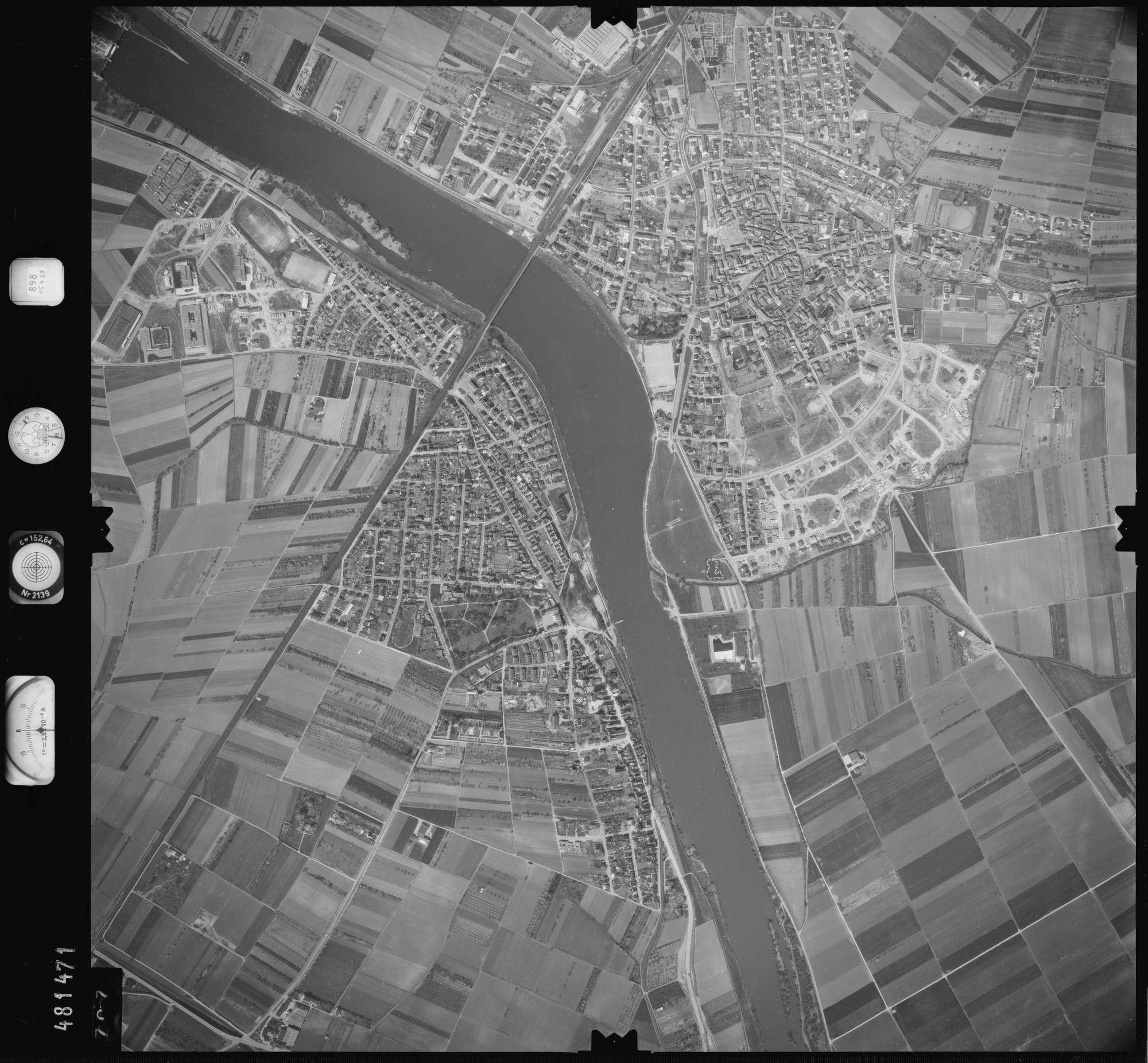 Luftbild: Film 898 Bildnr. 707, Bild 1
