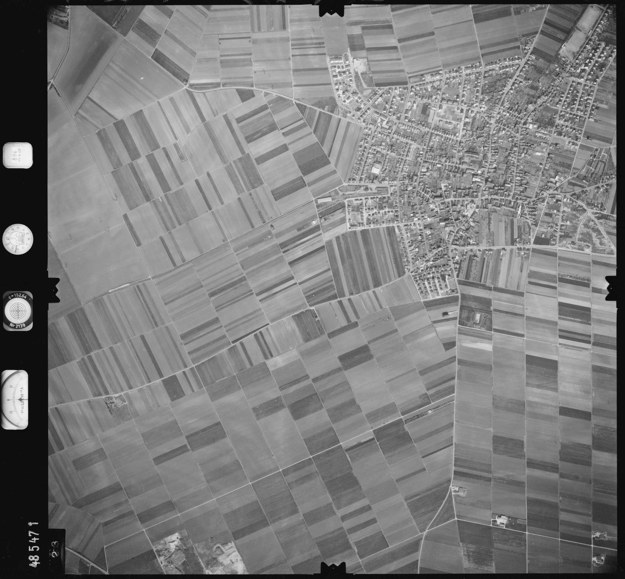 Luftbild: Film 896 Bildnr. 423, Bild 1