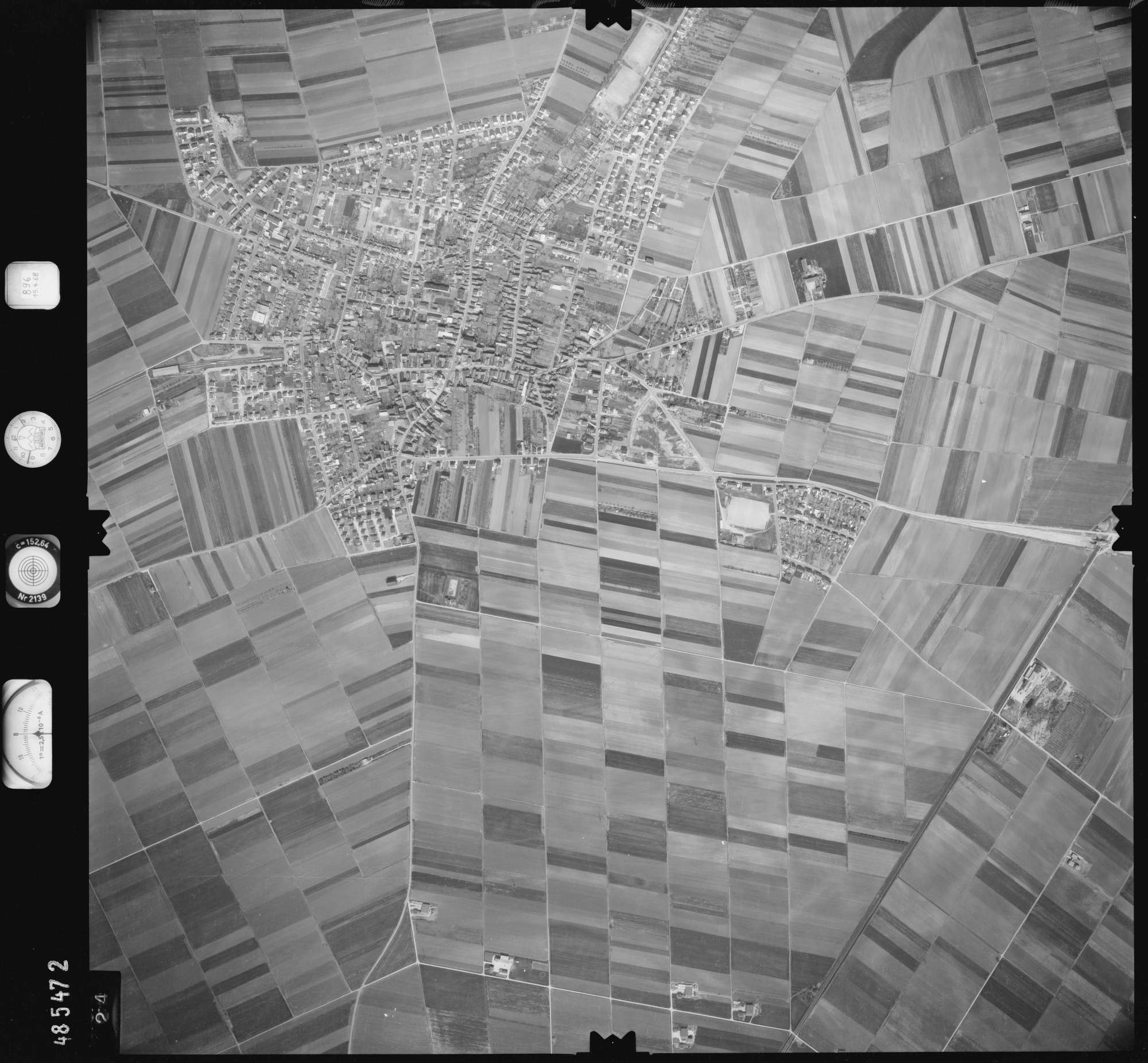 Luftbild: Film 896 Bildnr. 424, Bild 1