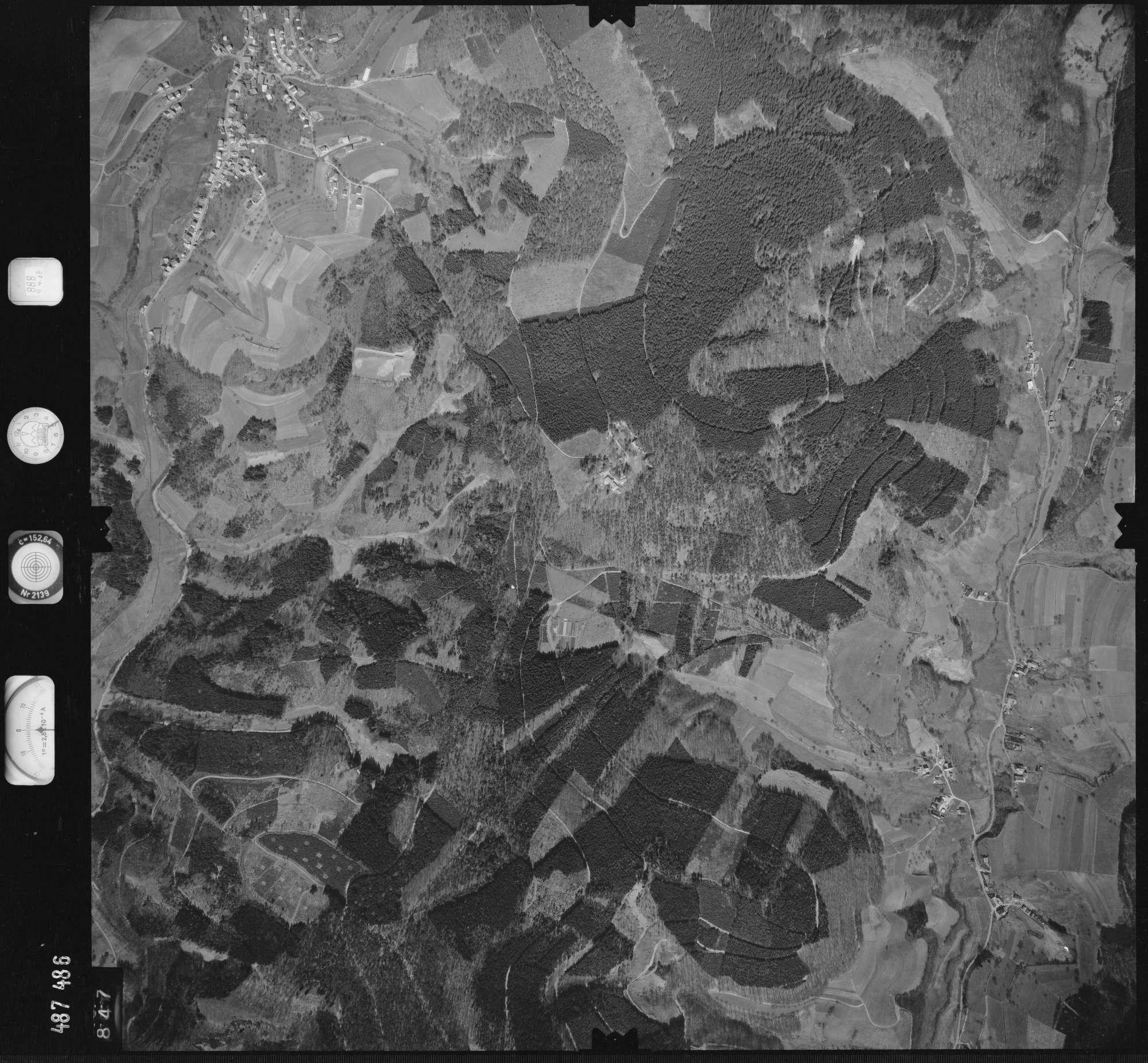 Luftbild: Film 888 Bildnr. 847, Bild 1