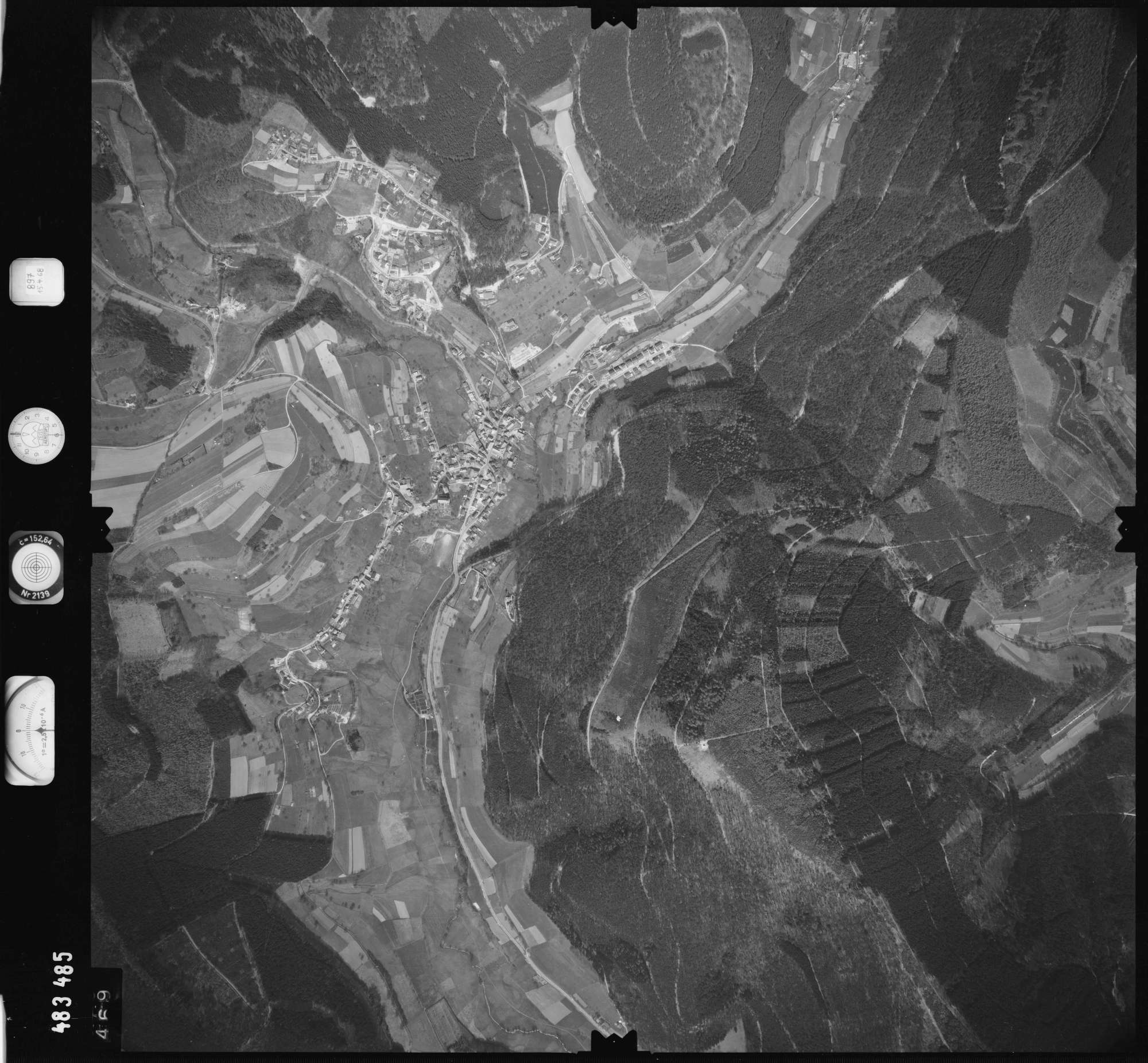 Luftbild: Film 897 Bildnr. 469, Bild 1