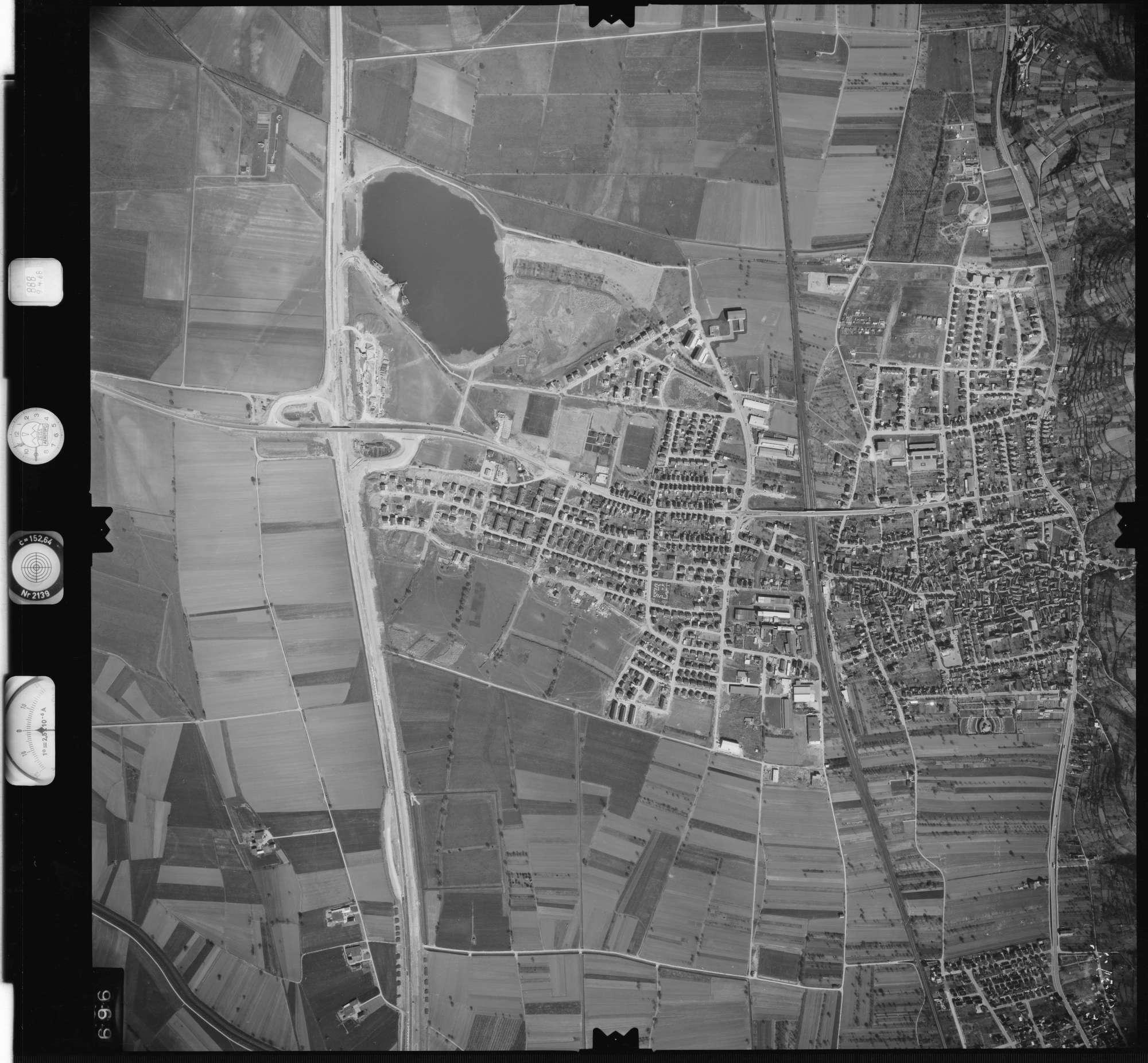 Luftbild: Film 888 Bildnr. 696, Bild 1