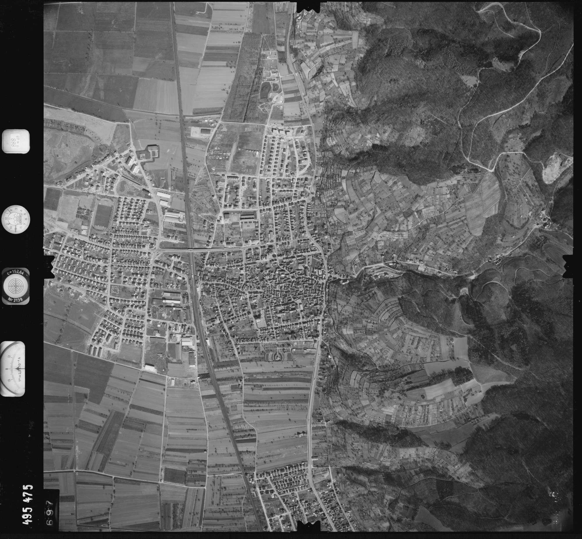Luftbild: Film 888 Bildnr. 697, Bild 1