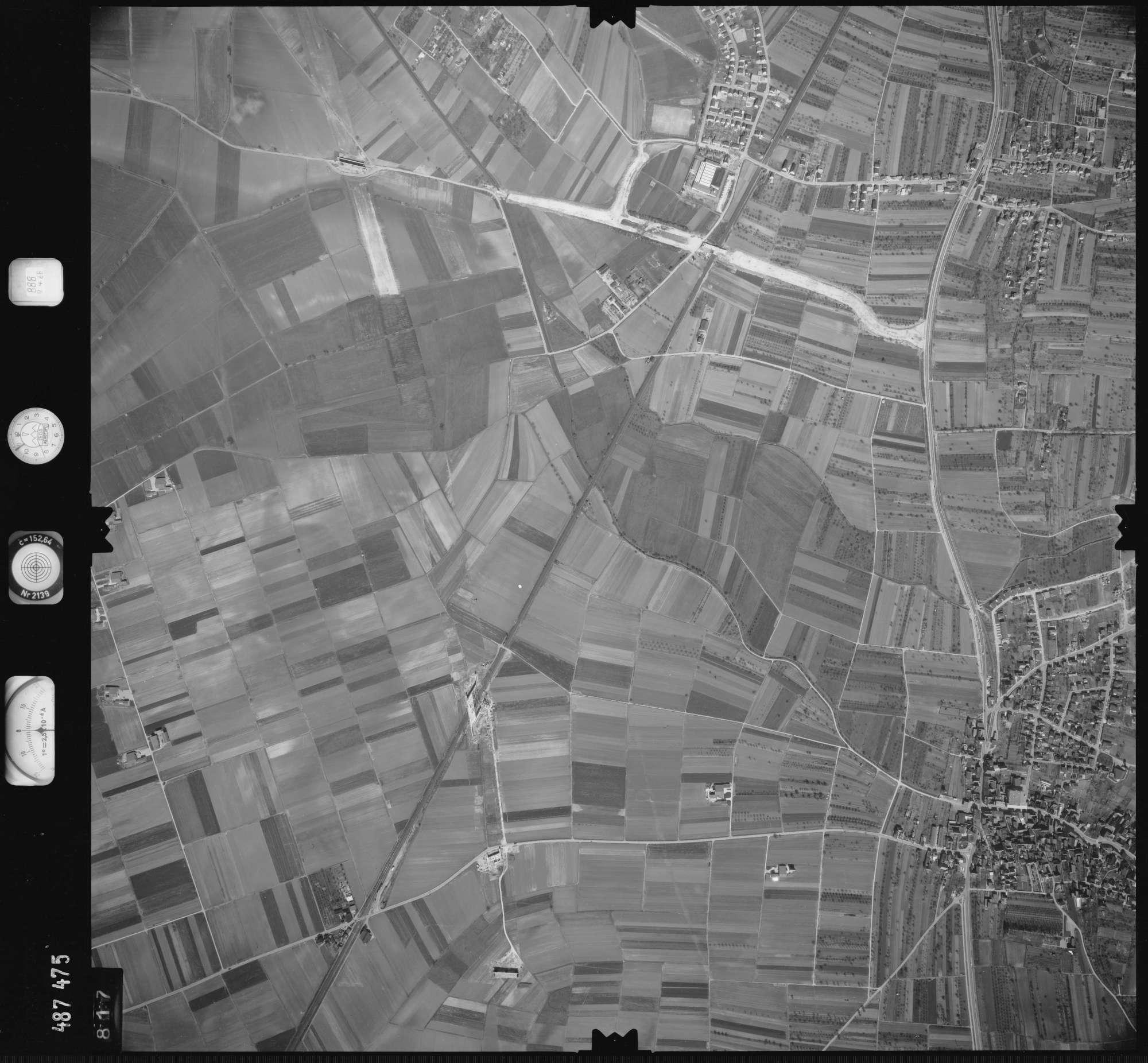 Luftbild: Film 888 Bildnr. 817, Bild 1