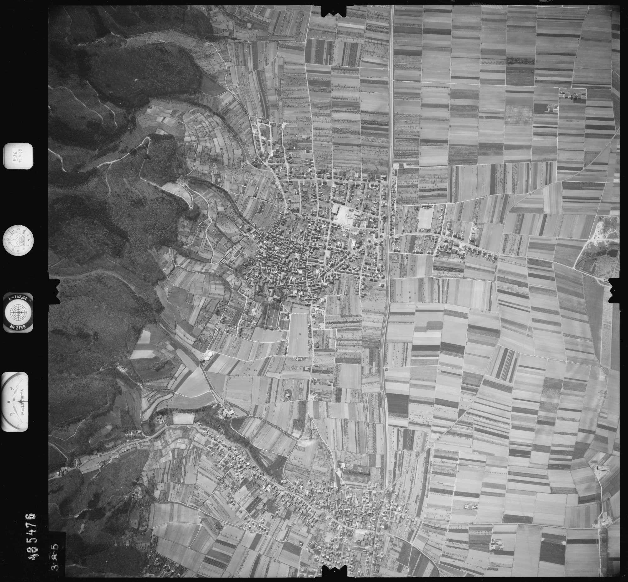 Luftbild: Film 896 Bildnr. 385, Bild 1