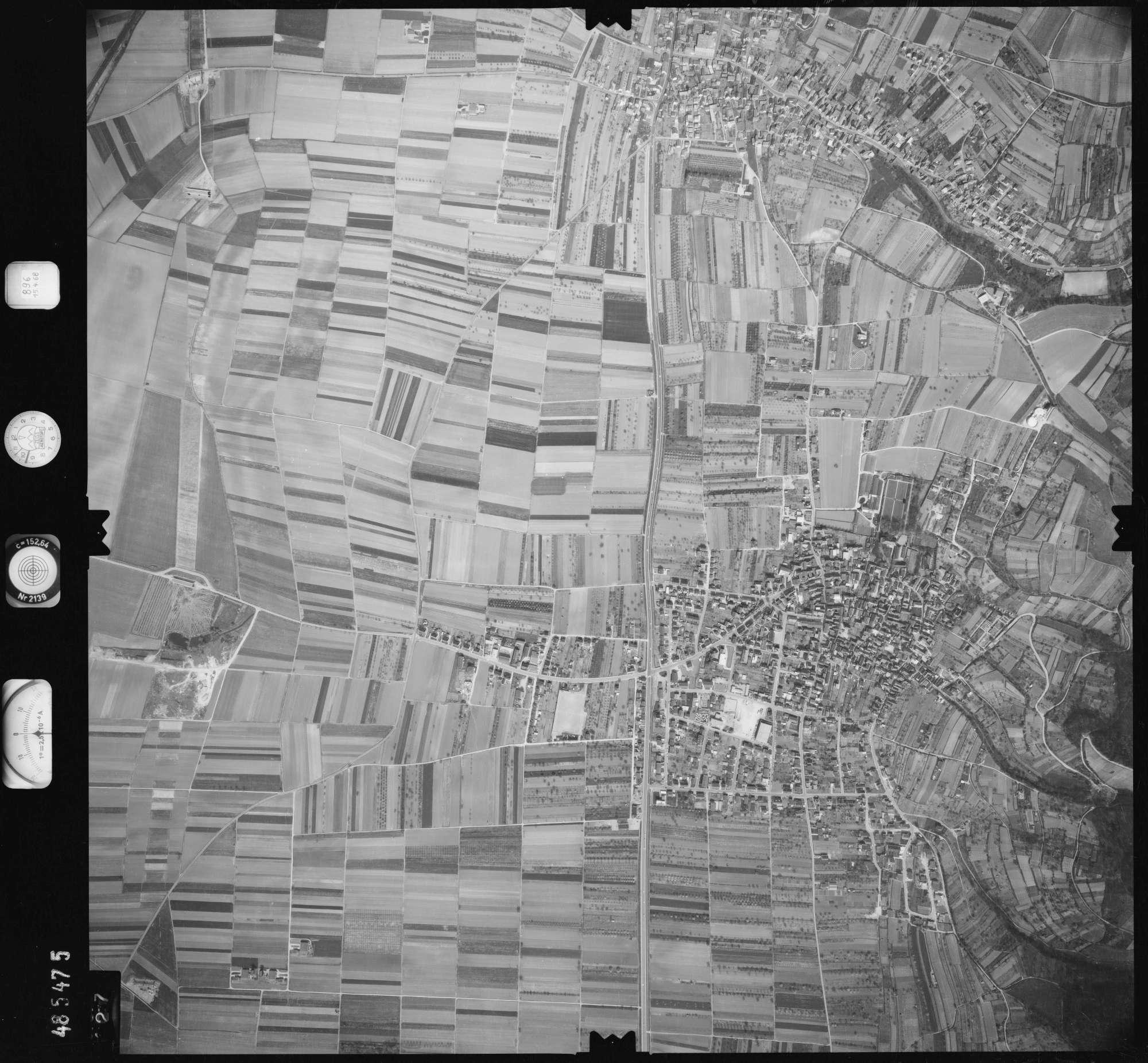 Luftbild: Film 896 Bildnr. 427, Bild 1