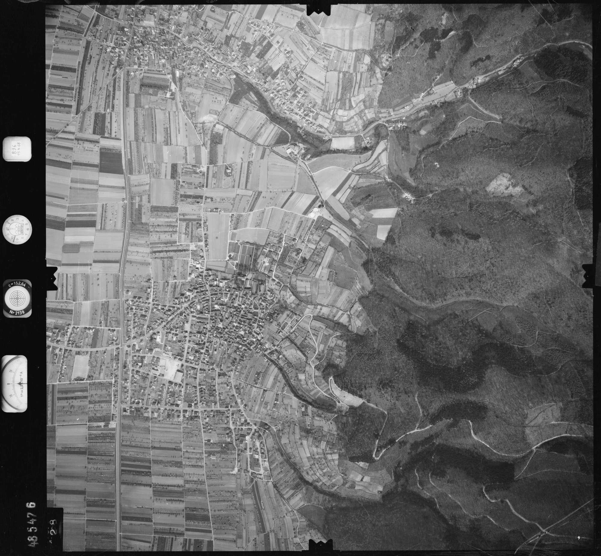 Luftbild: Film 896 Bildnr. 428, Bild 1