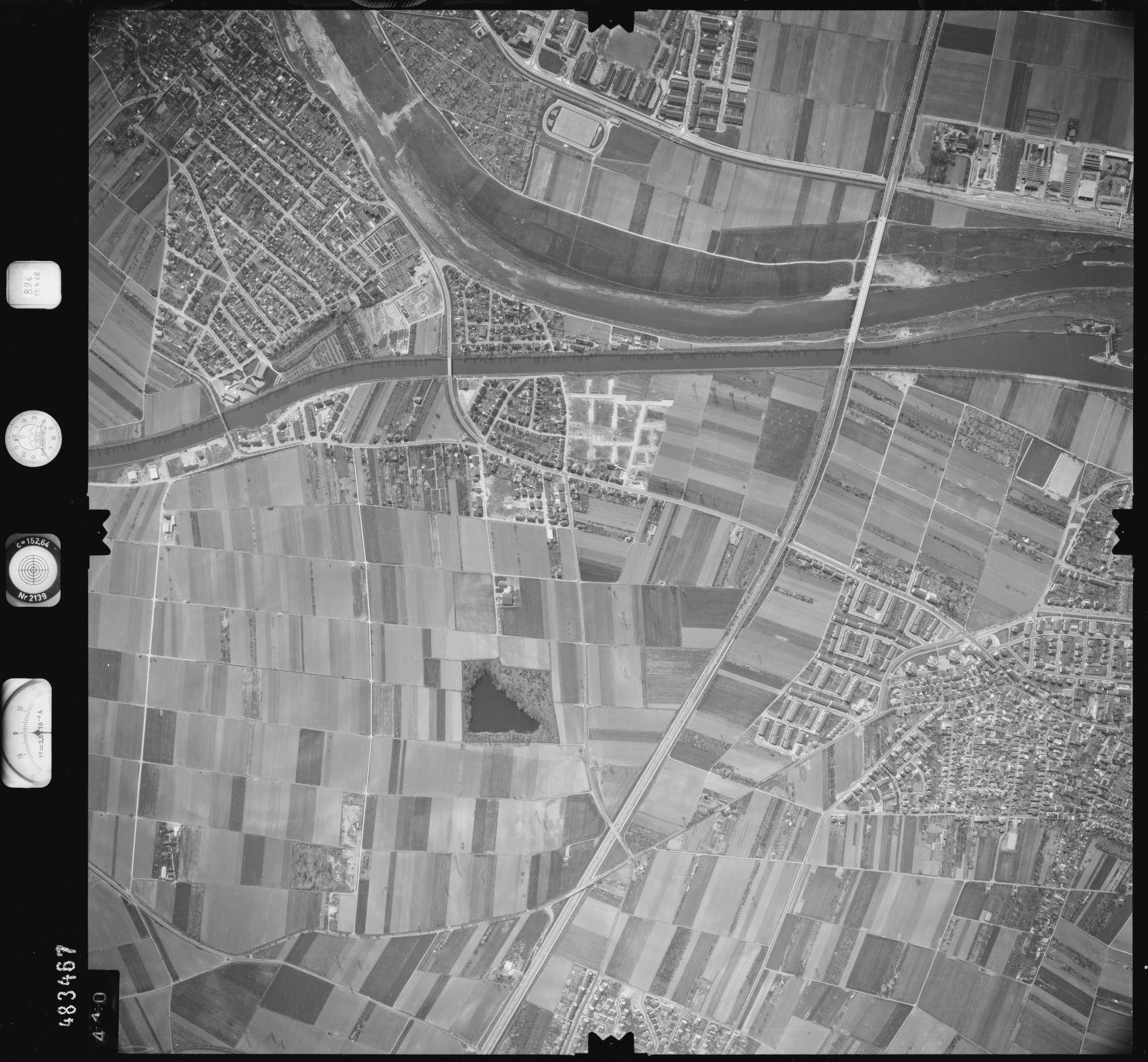Luftbild: Film 896 Bildnr. 410, Bild 1