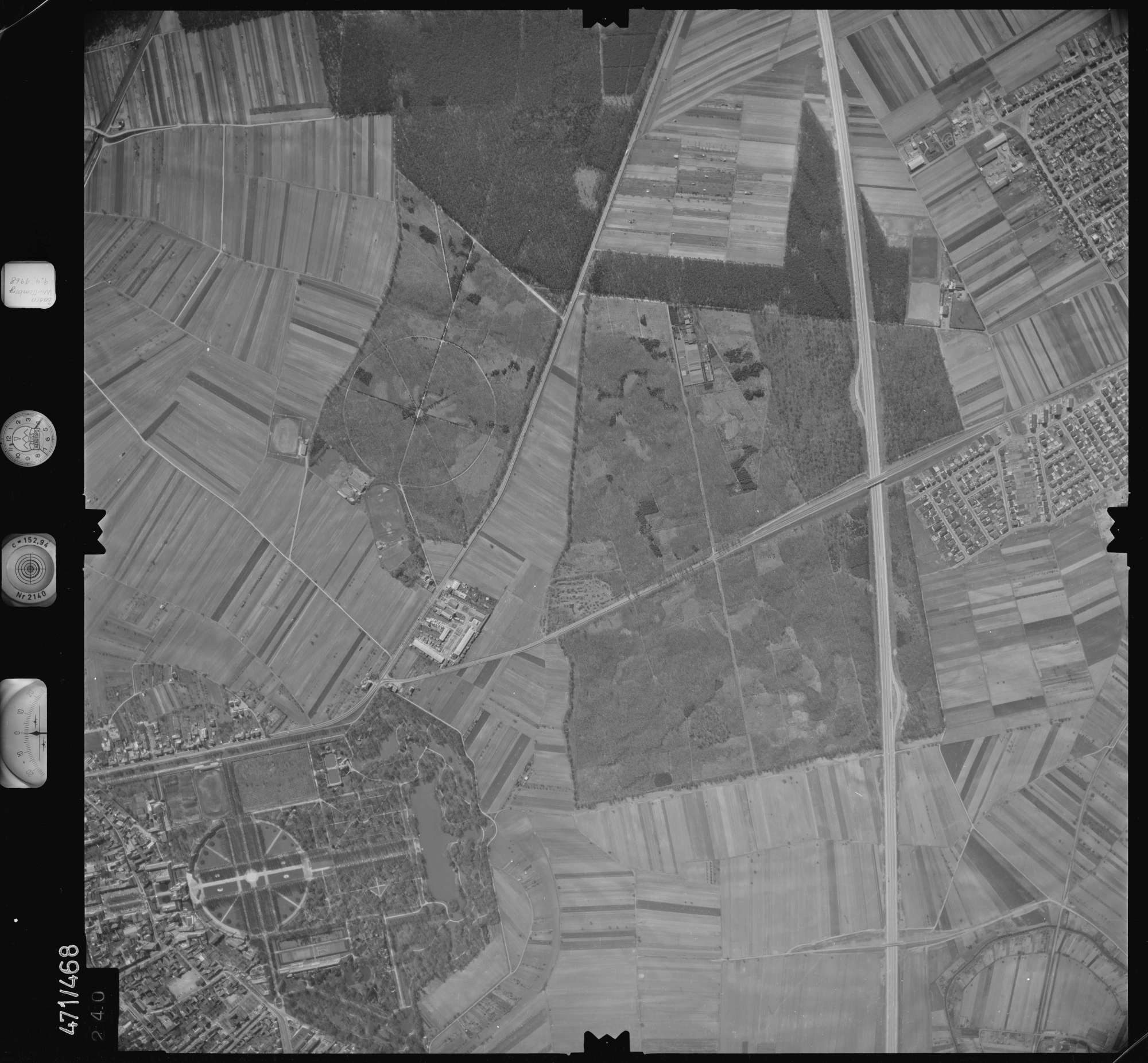 Luftbild: Film 100 Bildnr. 240, Bild 1