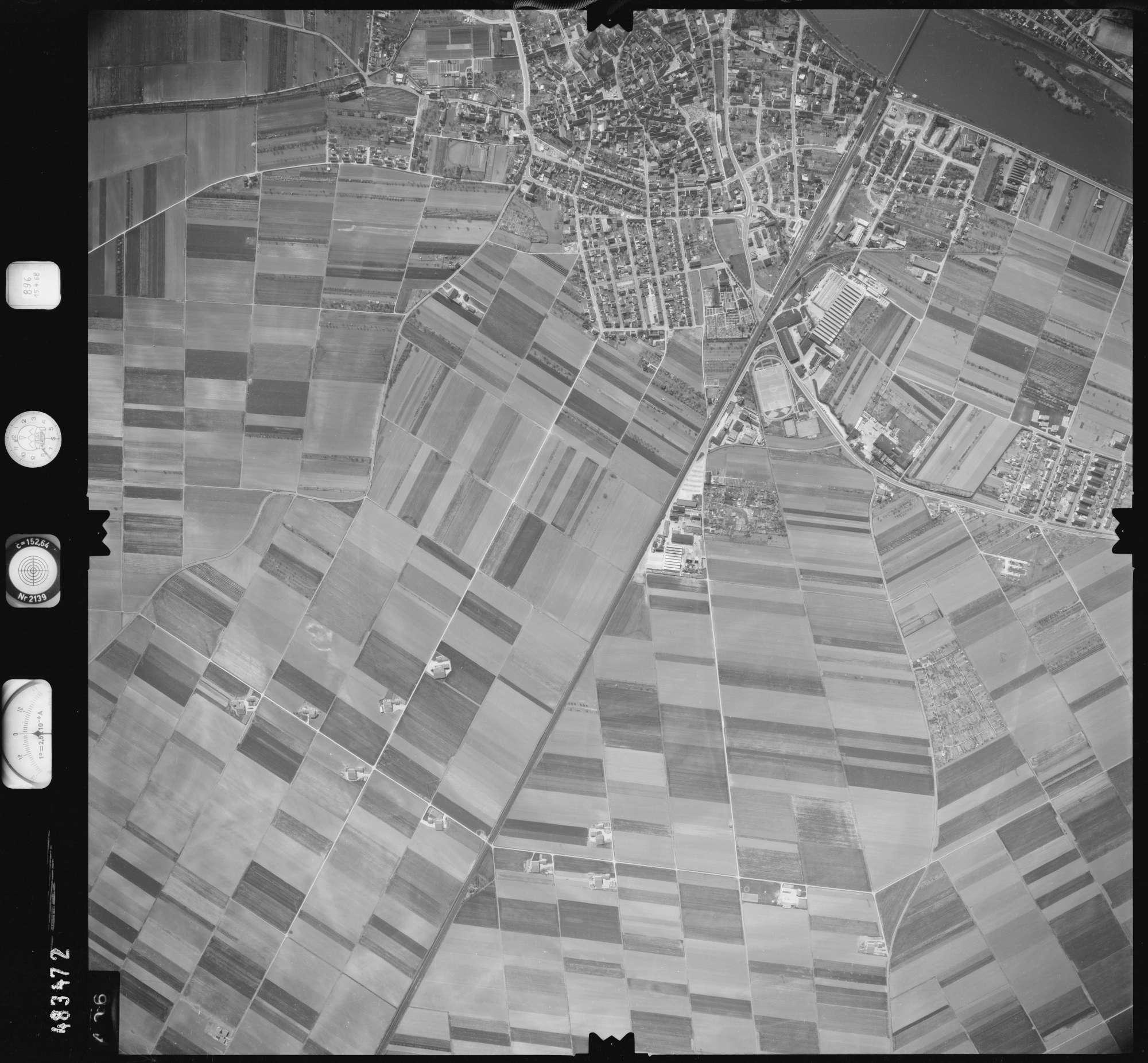 Luftbild: Film 896 Bildnr. 406, Bild 1
