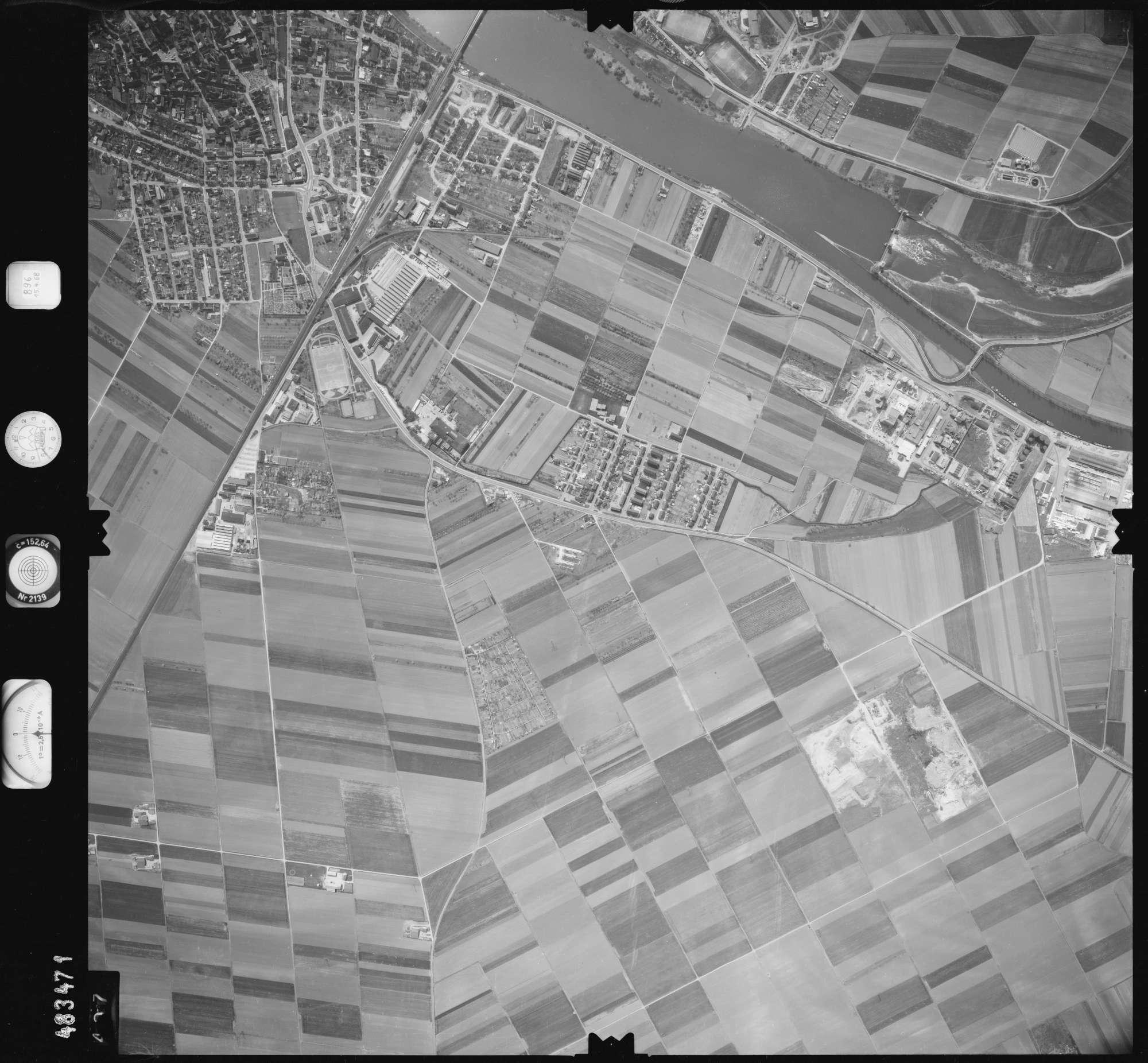Luftbild: Film 896 Bildnr. 407, Bild 1