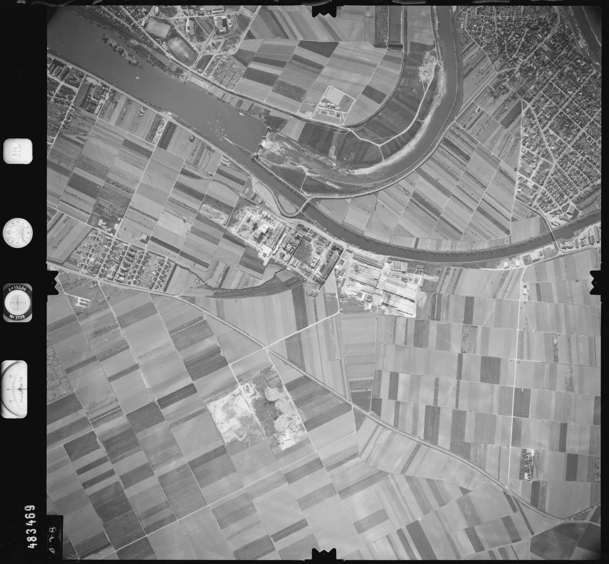 Luftbild: Film 896 Bildnr. 408, Bild 1