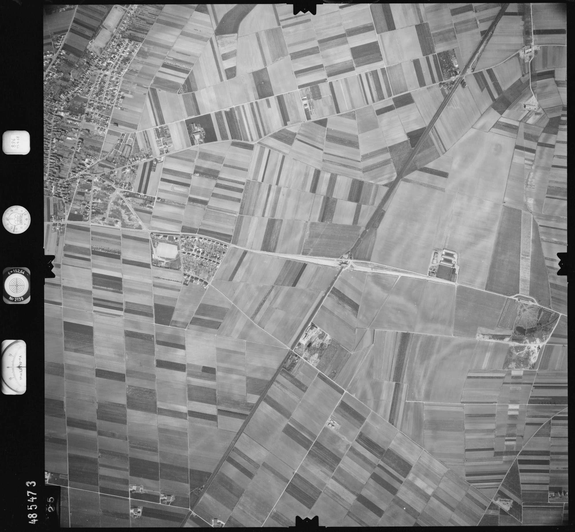 Luftbild: Film 896 Bildnr. 425, Bild 1