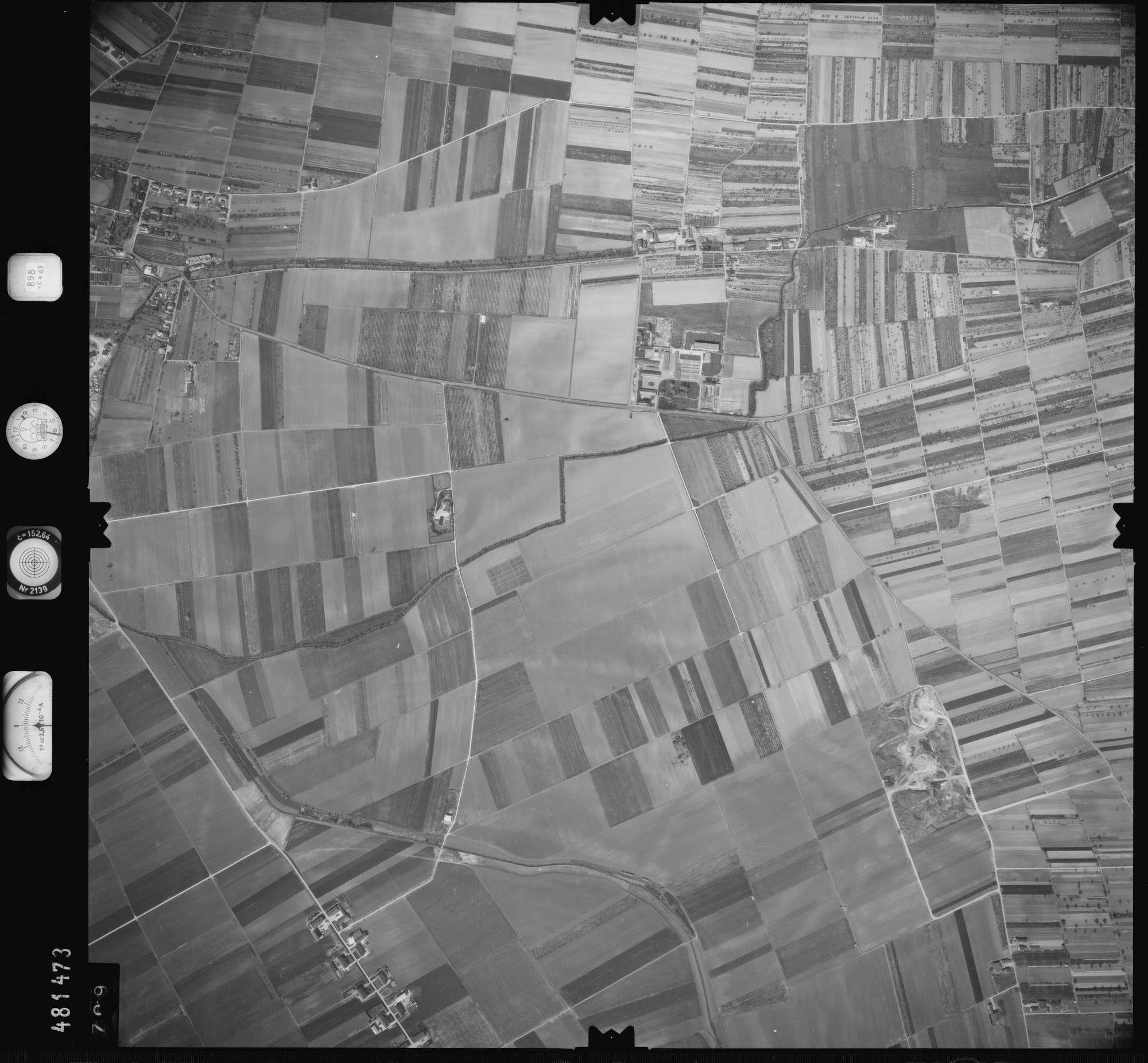 Luftbild: Film 898 Bildnr. 709, Bild 1
