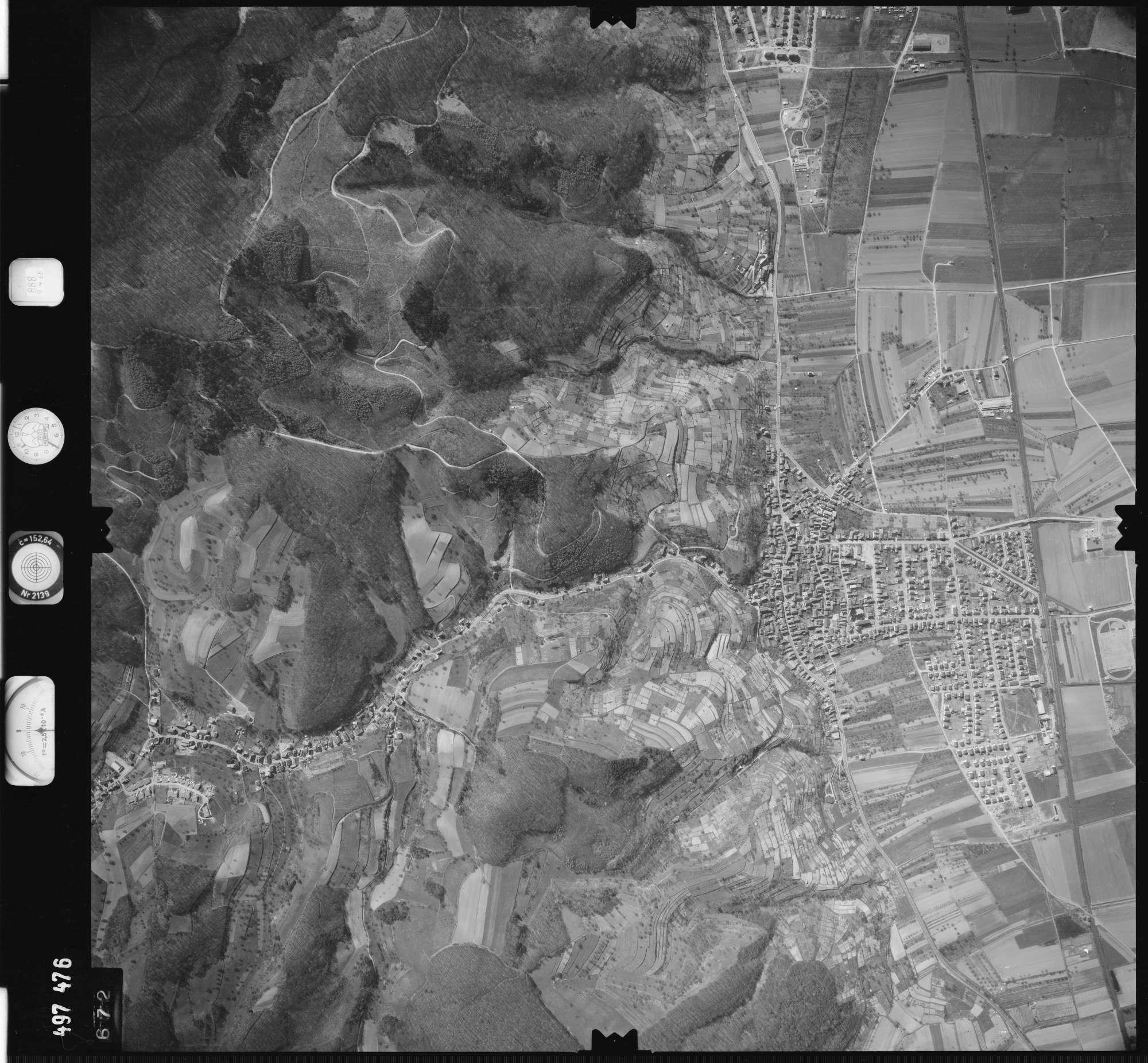 Luftbild: Film 888 Bildnr. 672, Bild 1