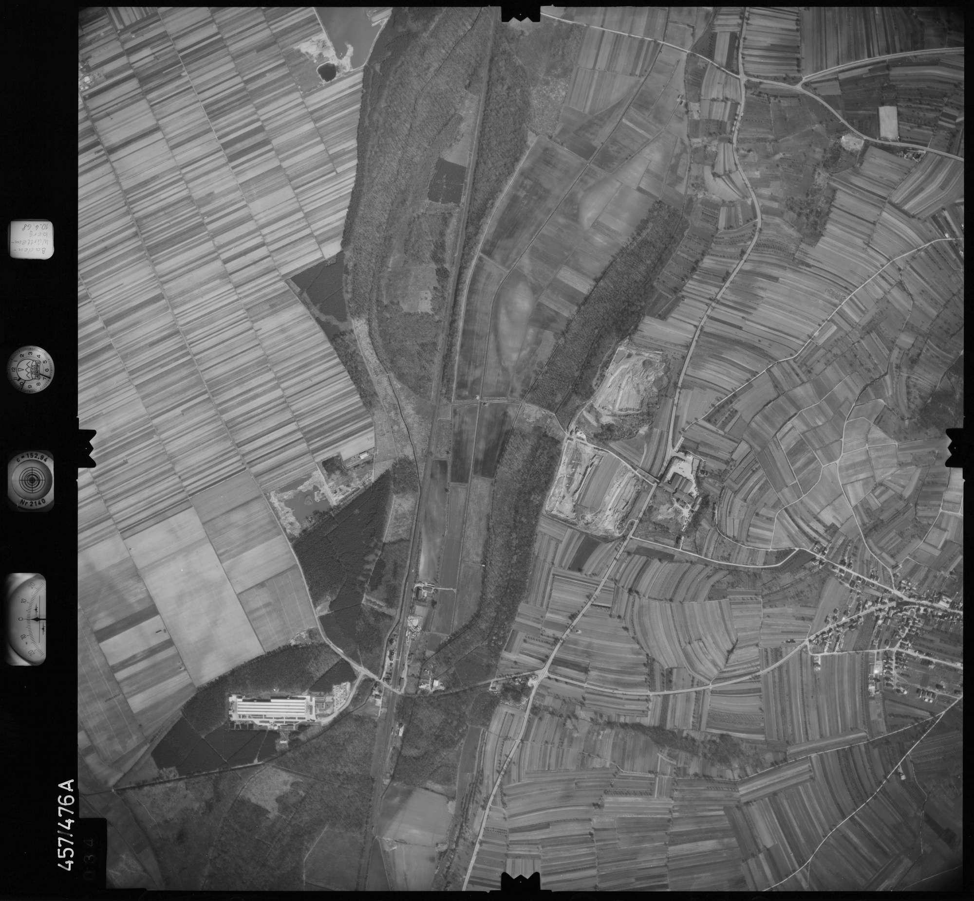 Luftbild: Film 104 Bildnr. 34, Bild 1